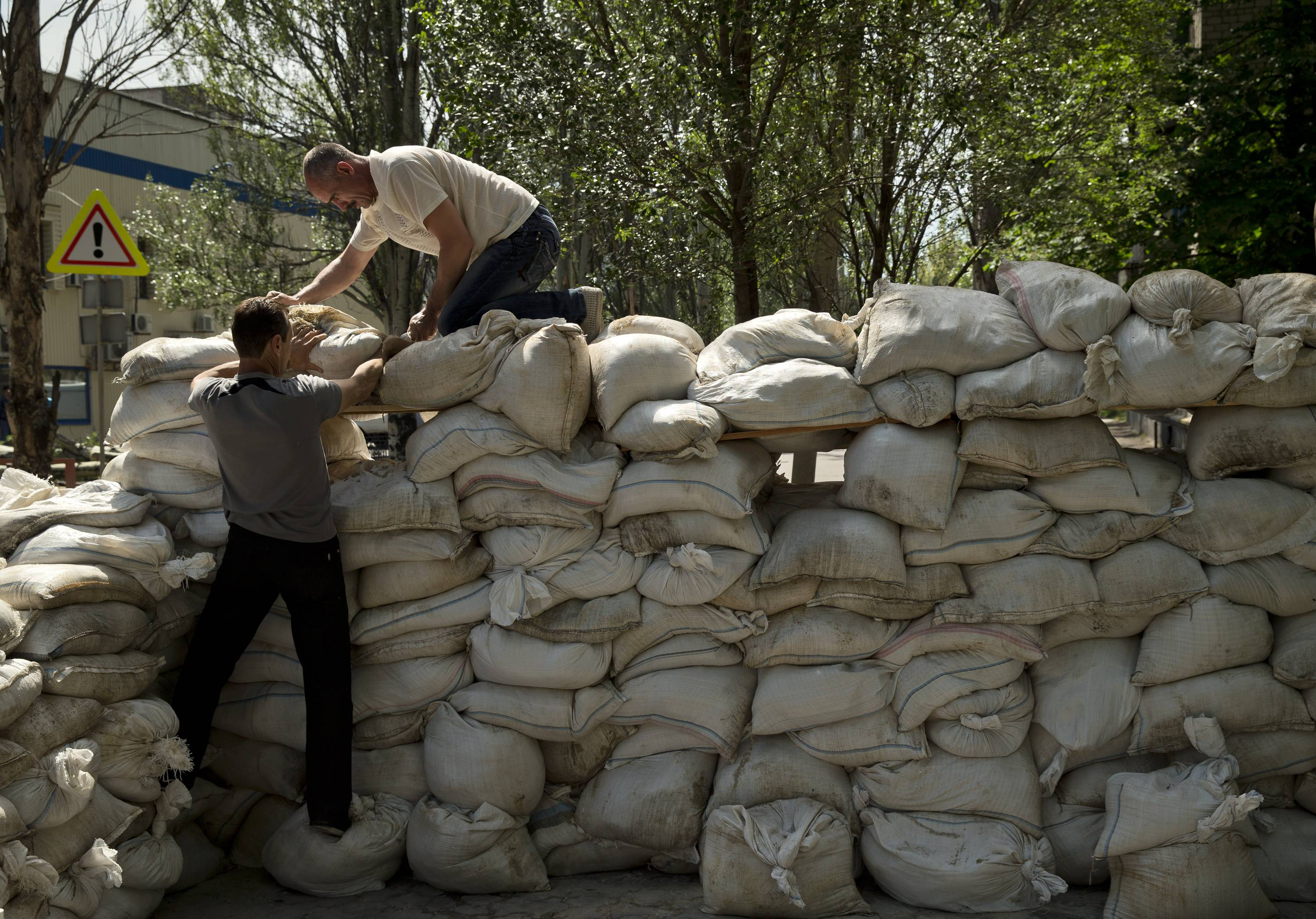 Ukraine fighting intensifies after election