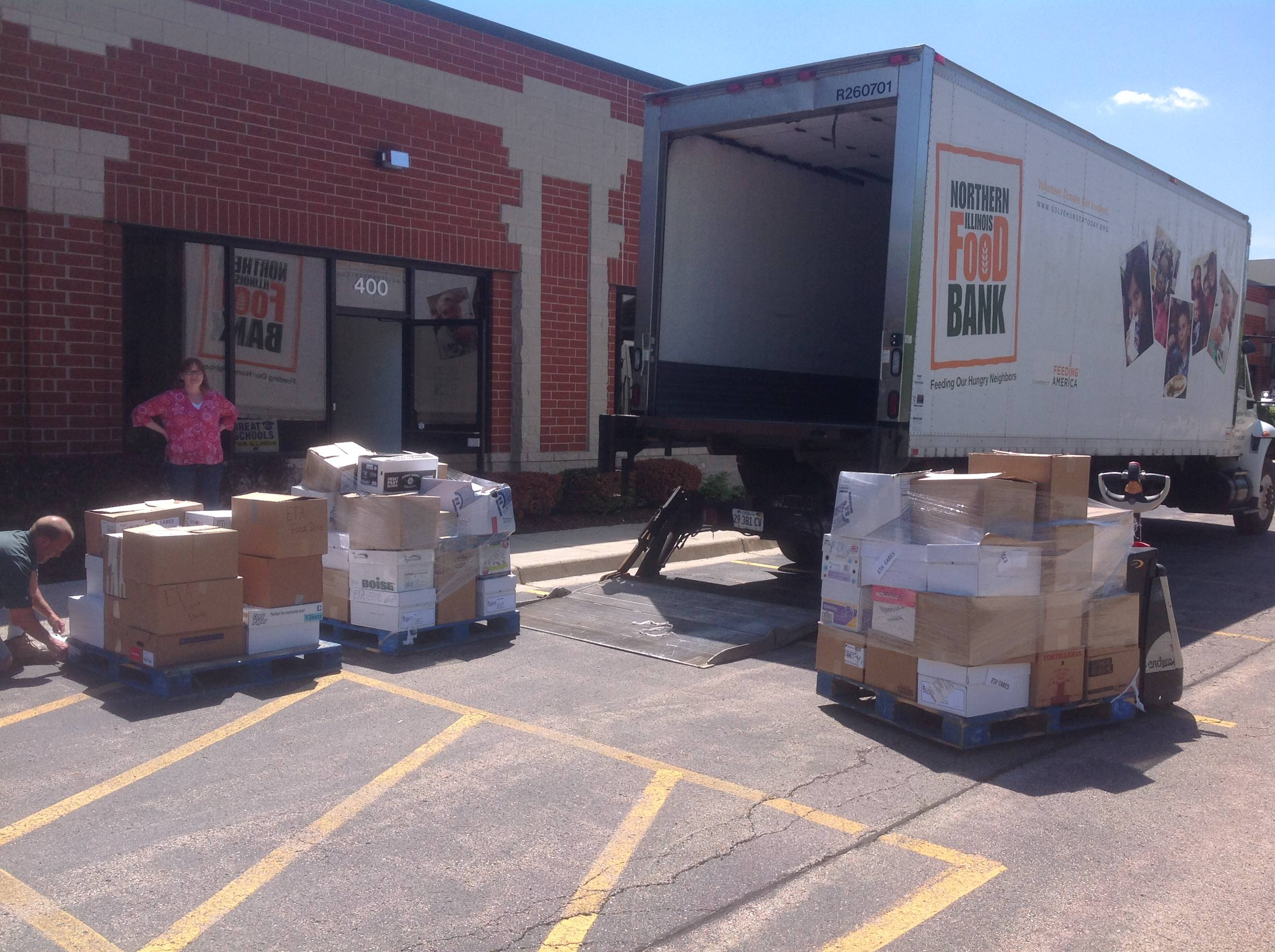 Food pickup at the Elgin Teachers Association/Illinois Education Assocation offices by Northern Illinois Food Bank.