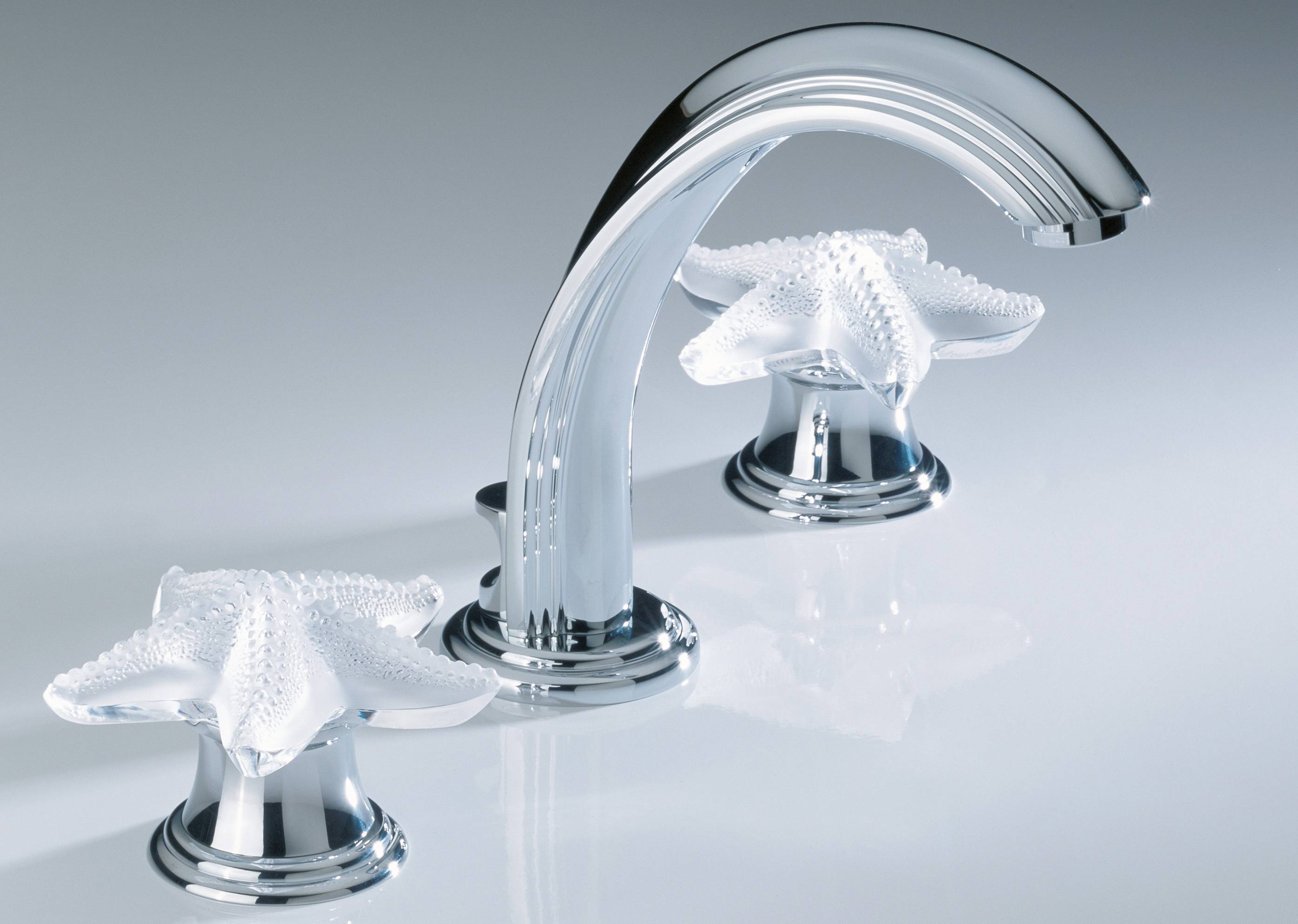 Lalique crystal starfish-shaped handles are part of the Oceania collection at luxury bath manufacturer THG-Paris.