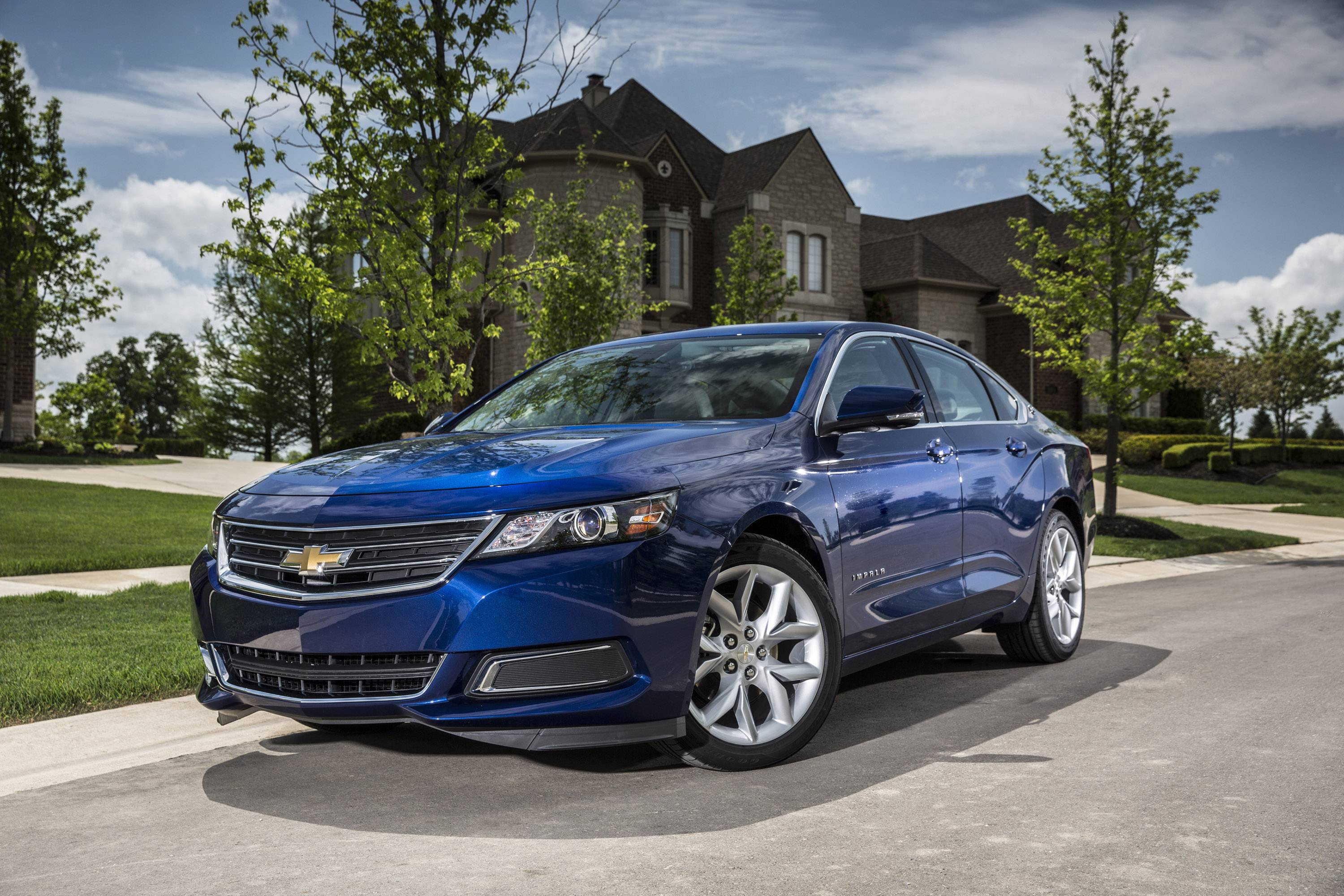 The 2014 Chevrolet Impala was the only non-luxury car to earn the highest safety rating in new tests of high-tech crash prevention systems.