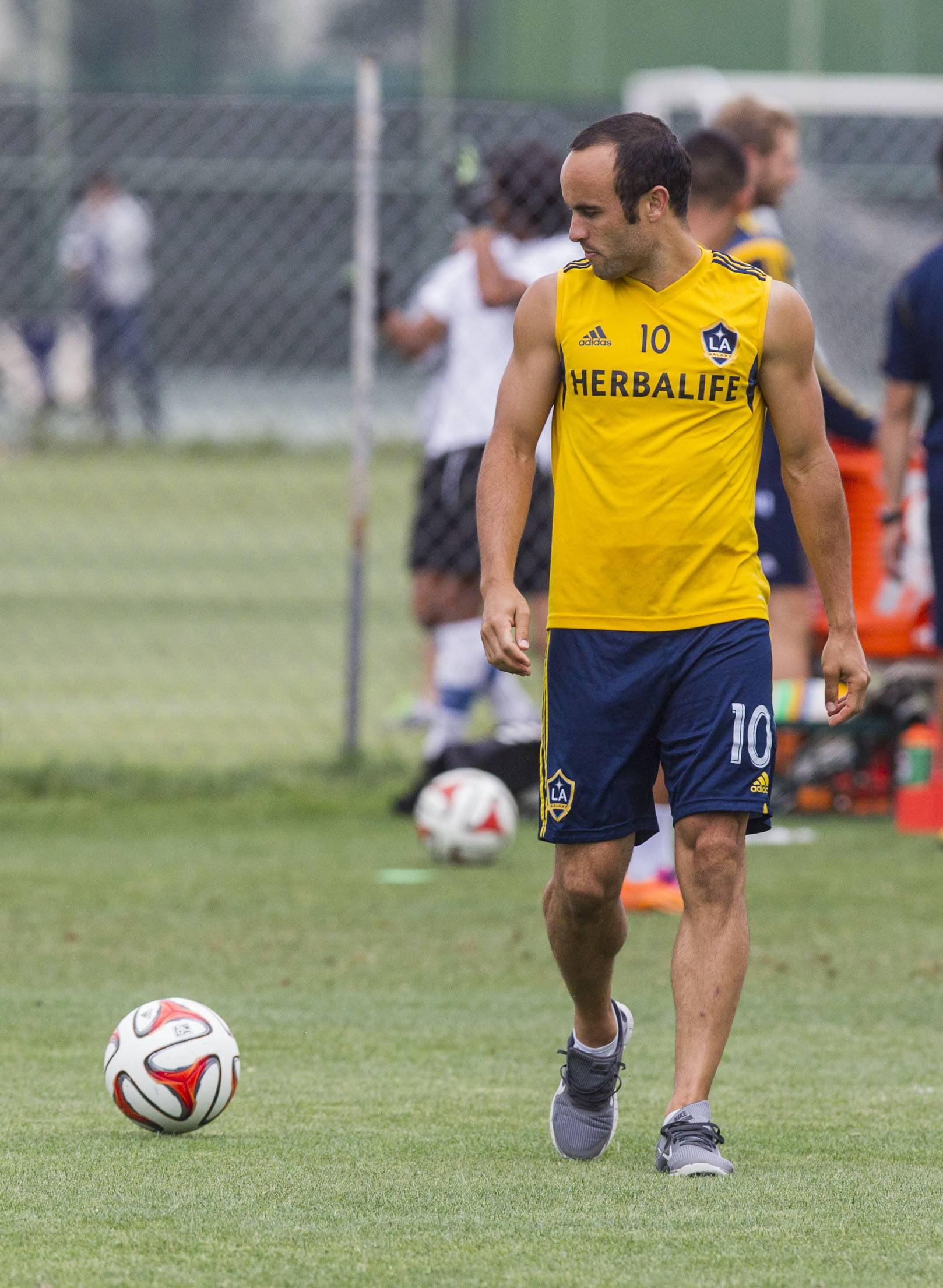 Now back with the Los Angeles Galaxy, forward Landon Donovan is preparing to face the Chicago Fire on Sunday, just 10 days after being told he won't be going to his fourth World Cup. The 32-year-old attacker had 2 goals and 1 assist in his last MLS contest.