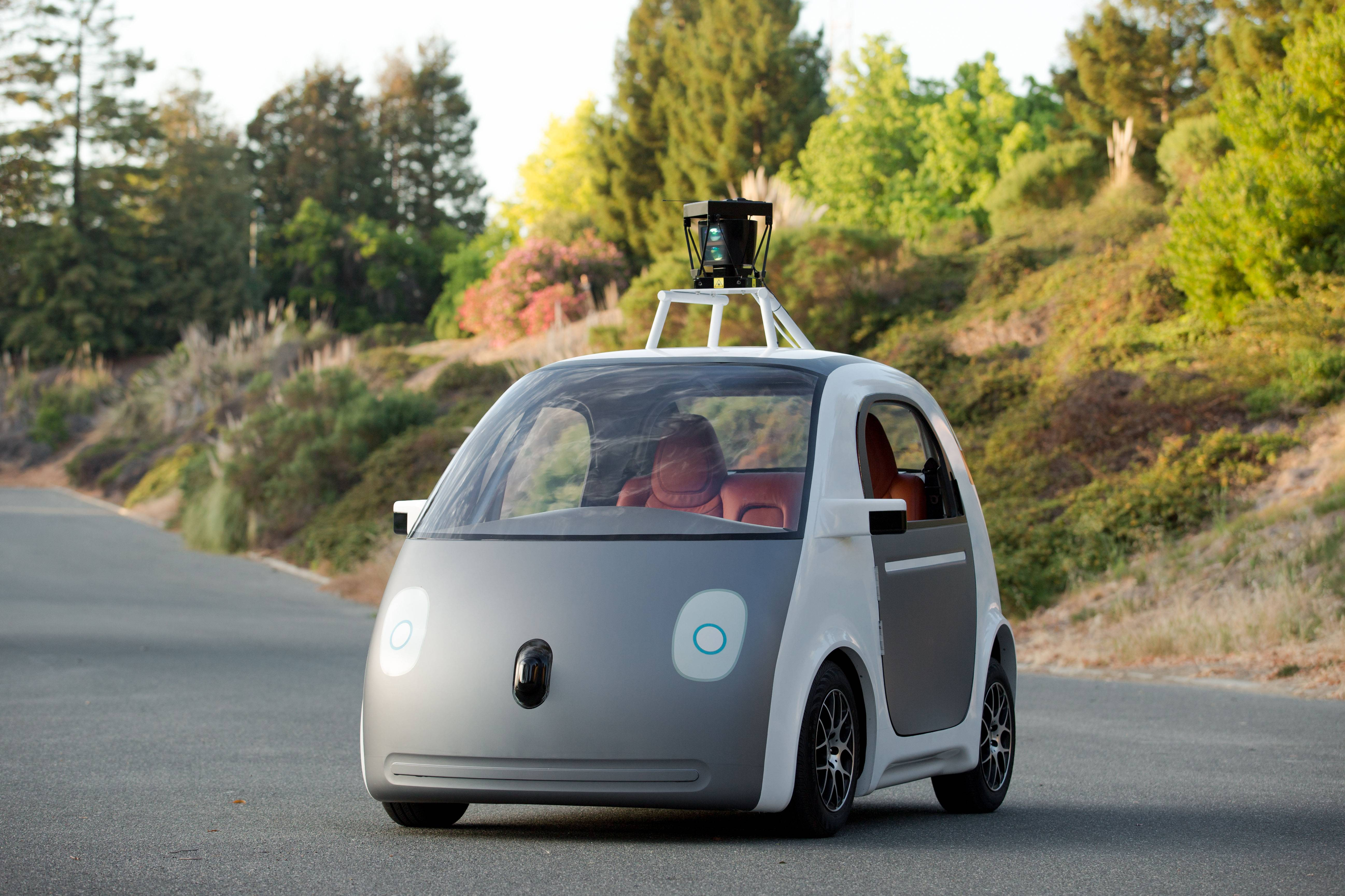 Google takes step forward on self-driving vehicles