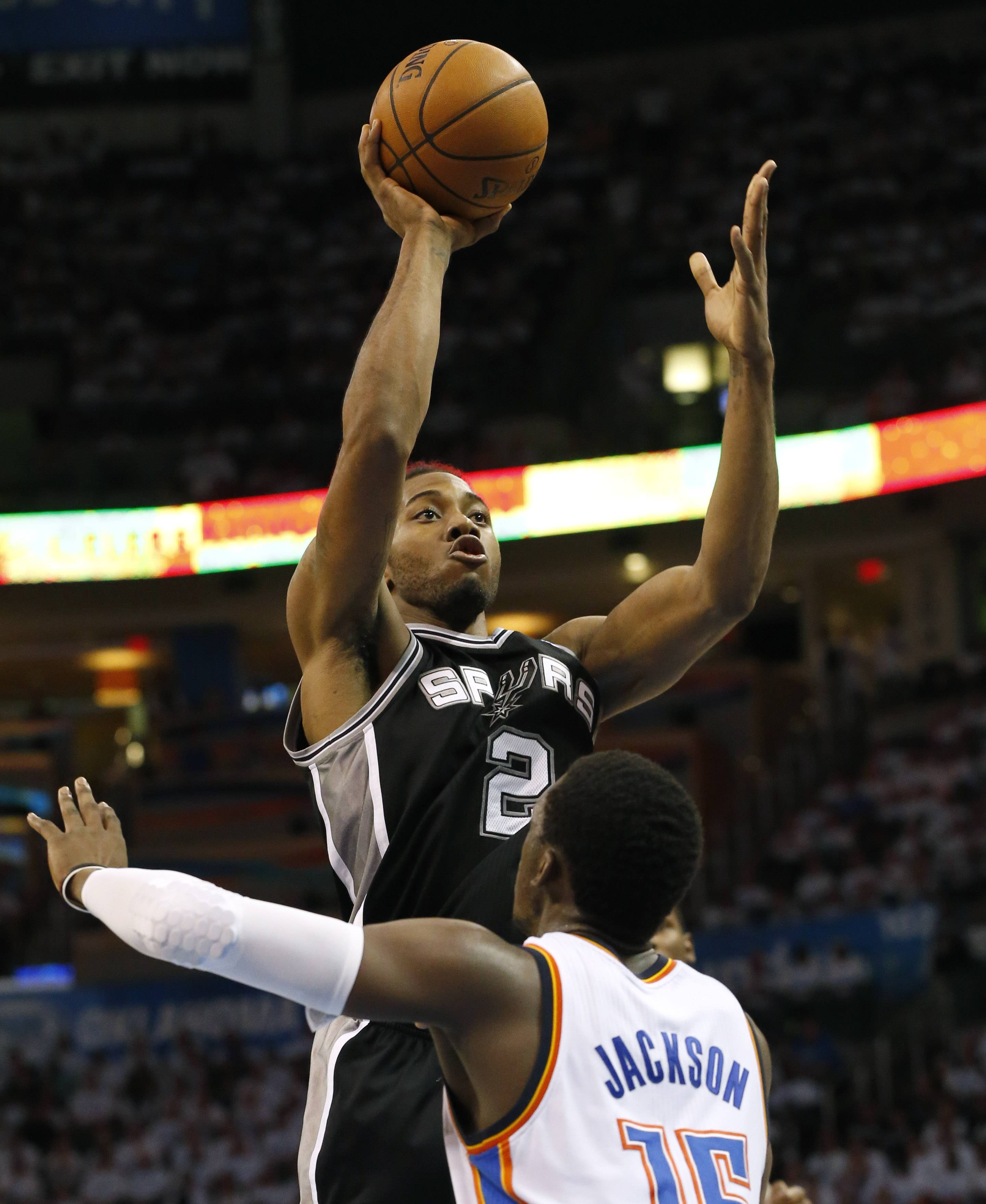 Spurs beat Thunder in OT, advance