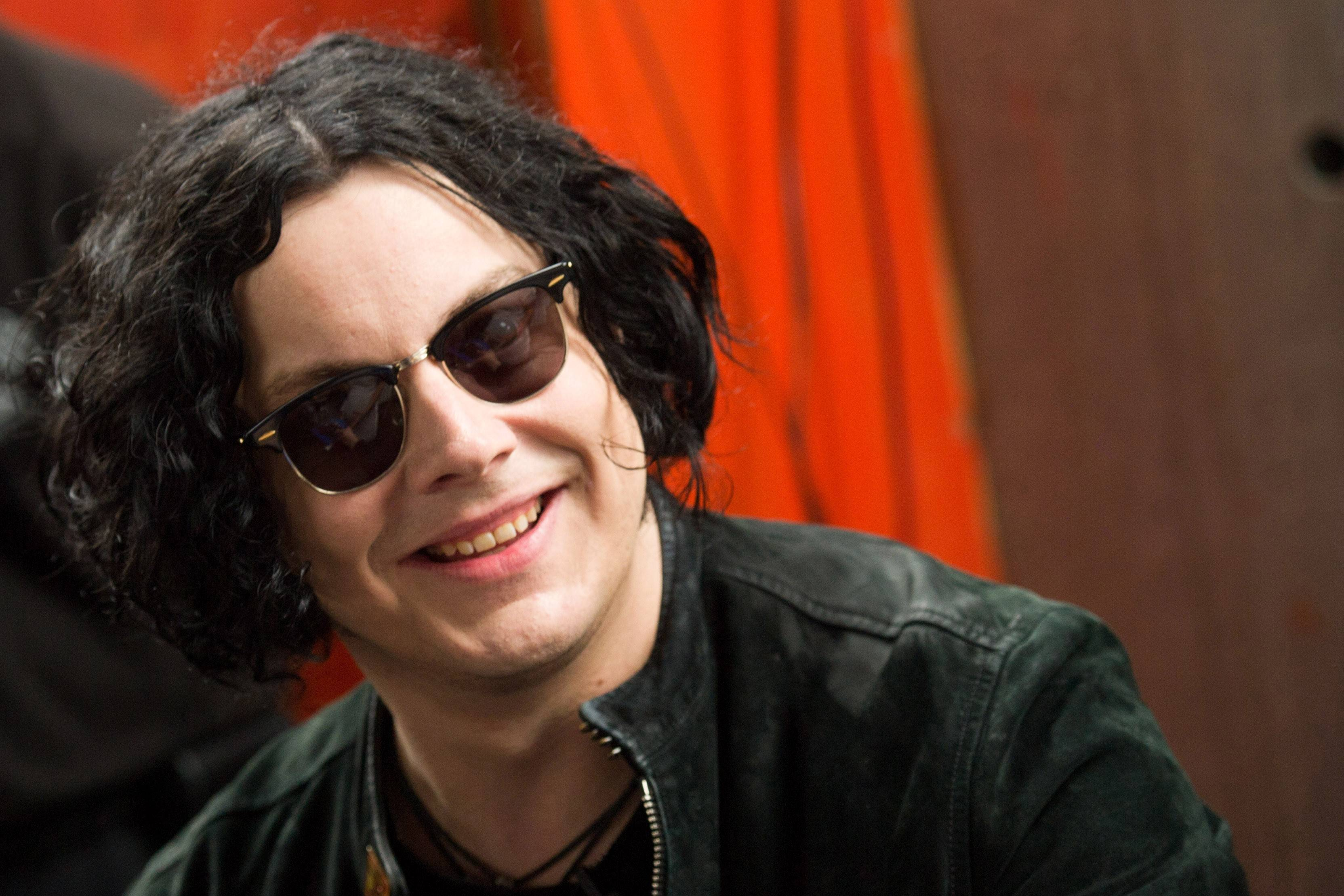 Jack White has issued a long apology to The Black Keys, his former bandmate Meg White and a number of others over comments he made in a recent Rolling Stone interview.