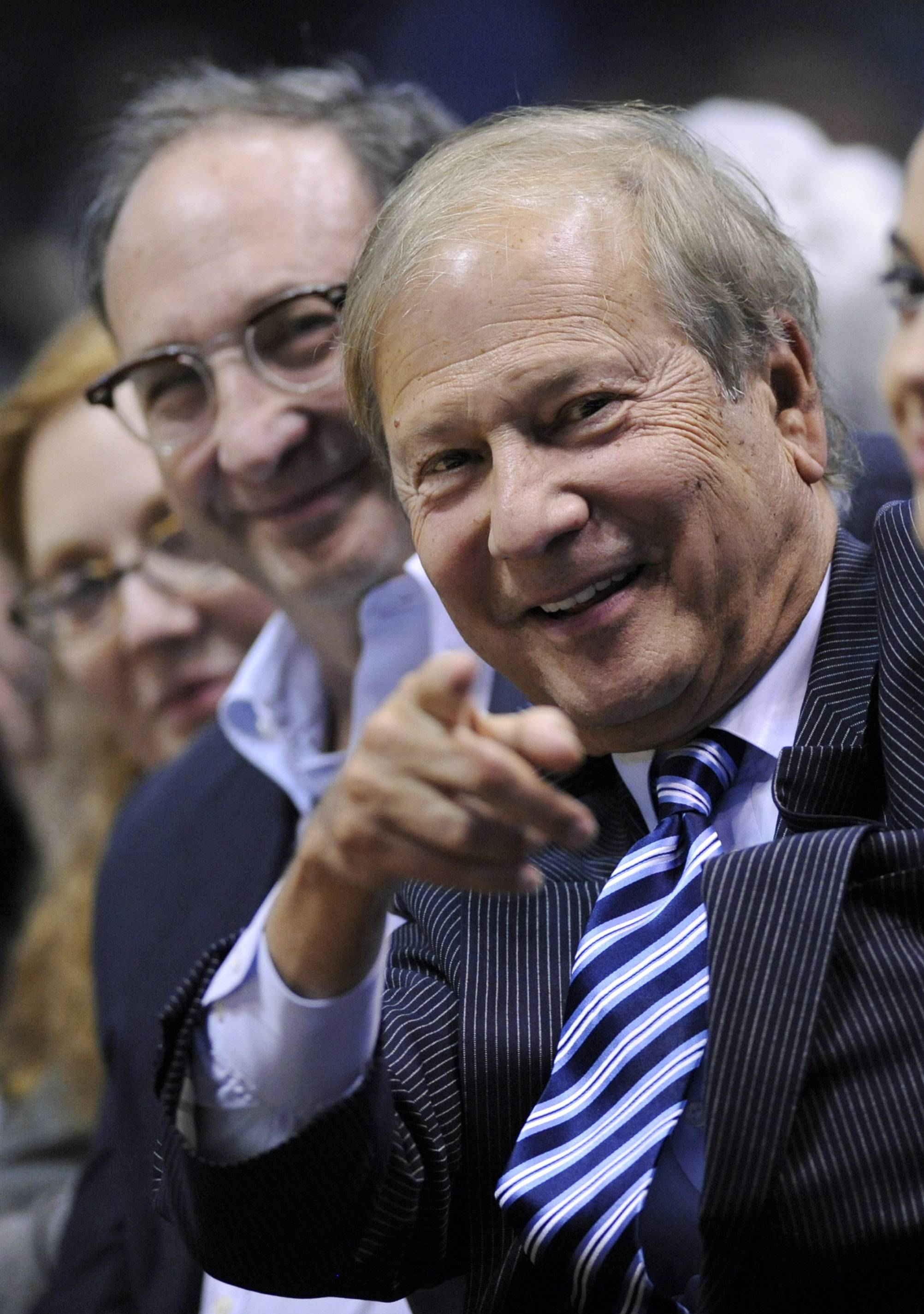 Associated PressPhiladelphia Inquirer co-owner Lewis Katz was killed along with six other people in a fiery plane crash in Massachusetts.