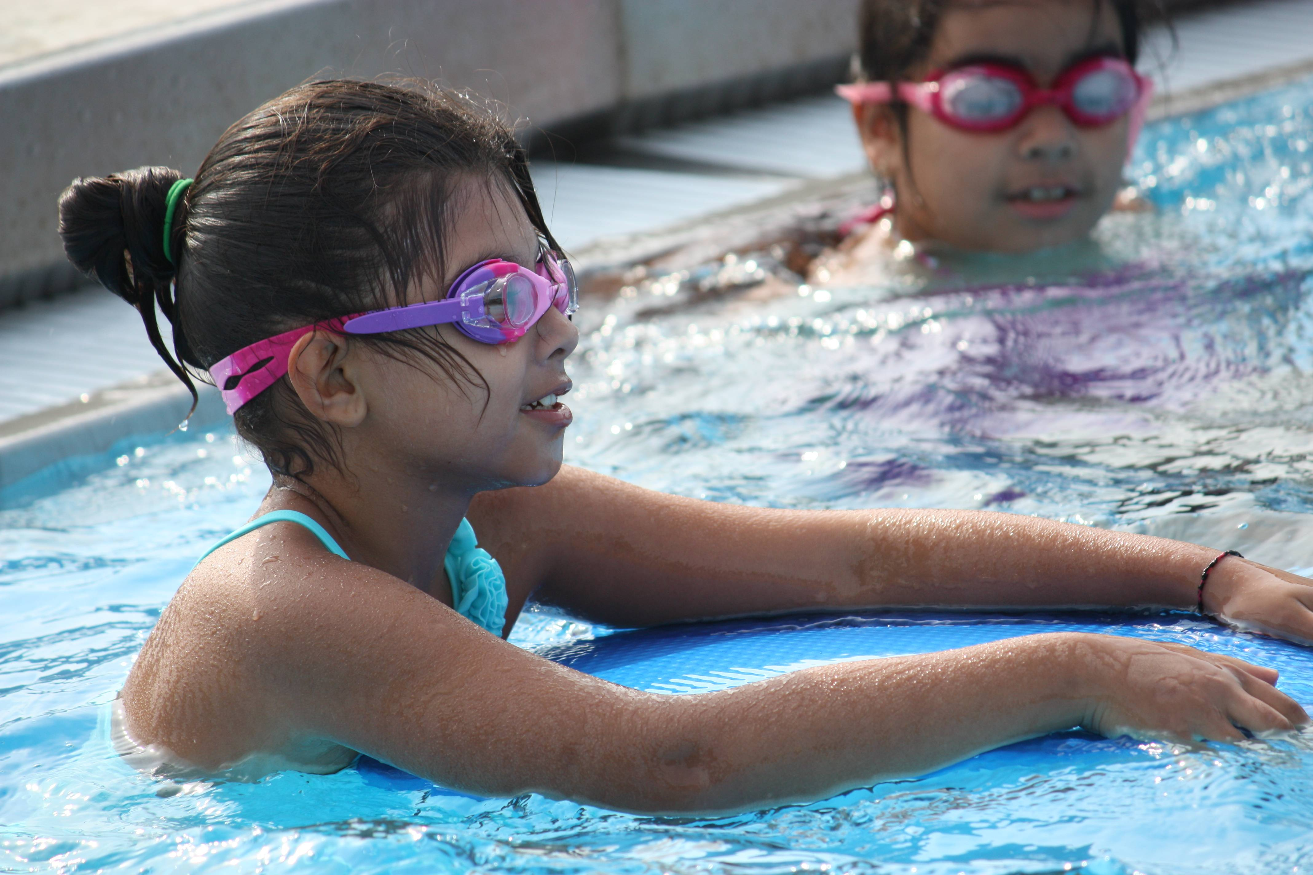Swim lessons are offered during the day, in the evening, and on Saturdays.Palatine Park District
