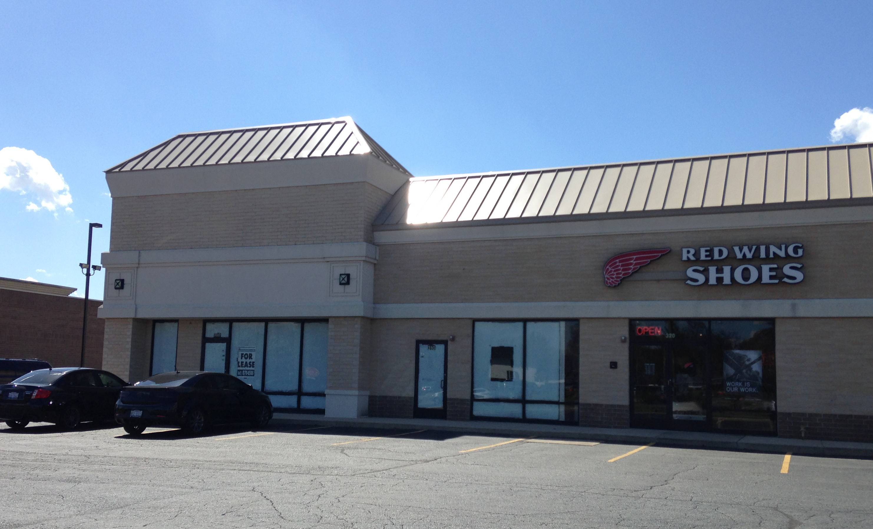 "The Bank of Camden, which owns Spring Hill Gateway East strip mall shown here in West Dundee, accuses the village of holding a ""hastily arranged, shotgun meeting"" to block the opening of a Salvation Army store near Spring Hill Mall."
