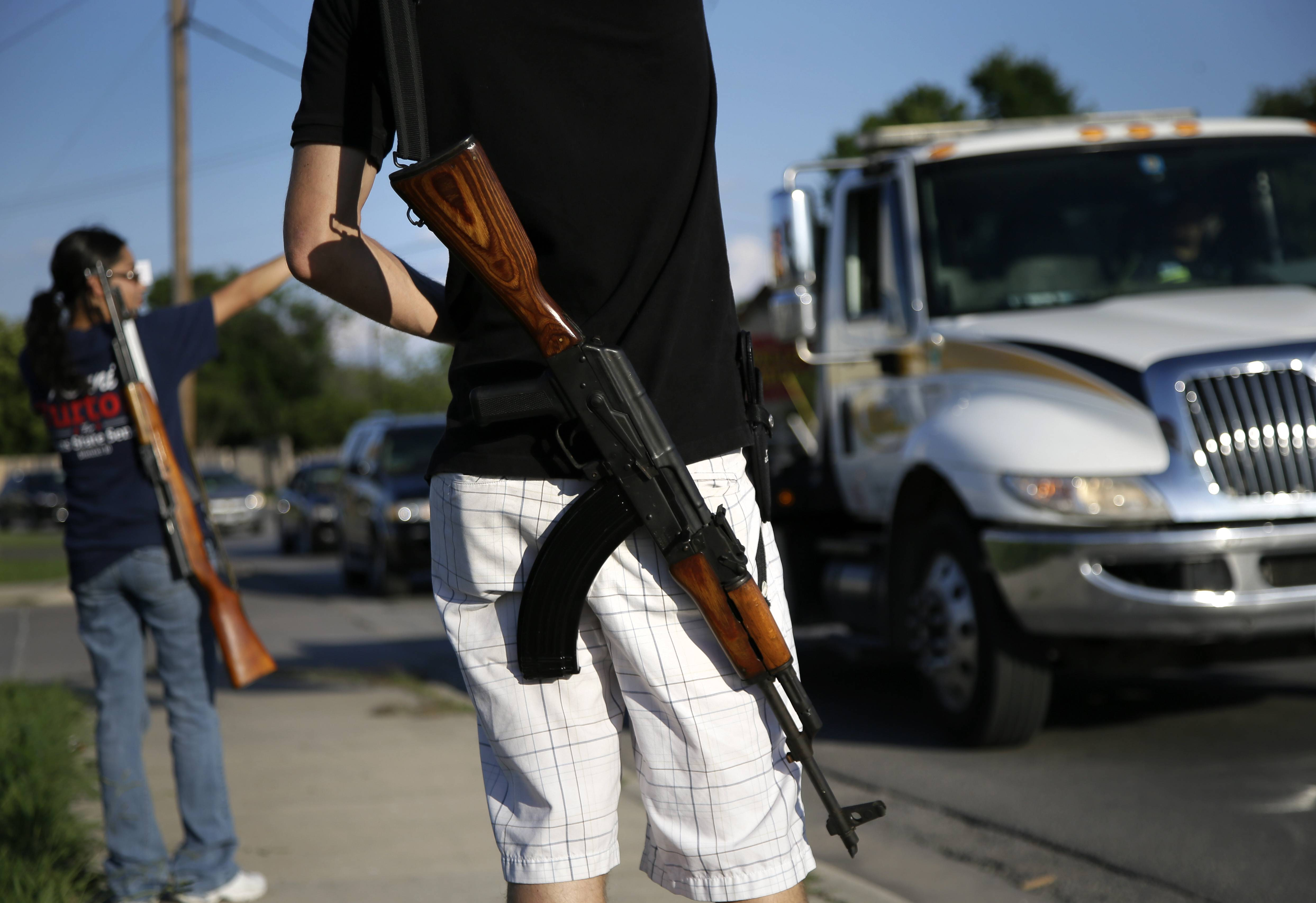 NRA rolls back 'open carry' criticism