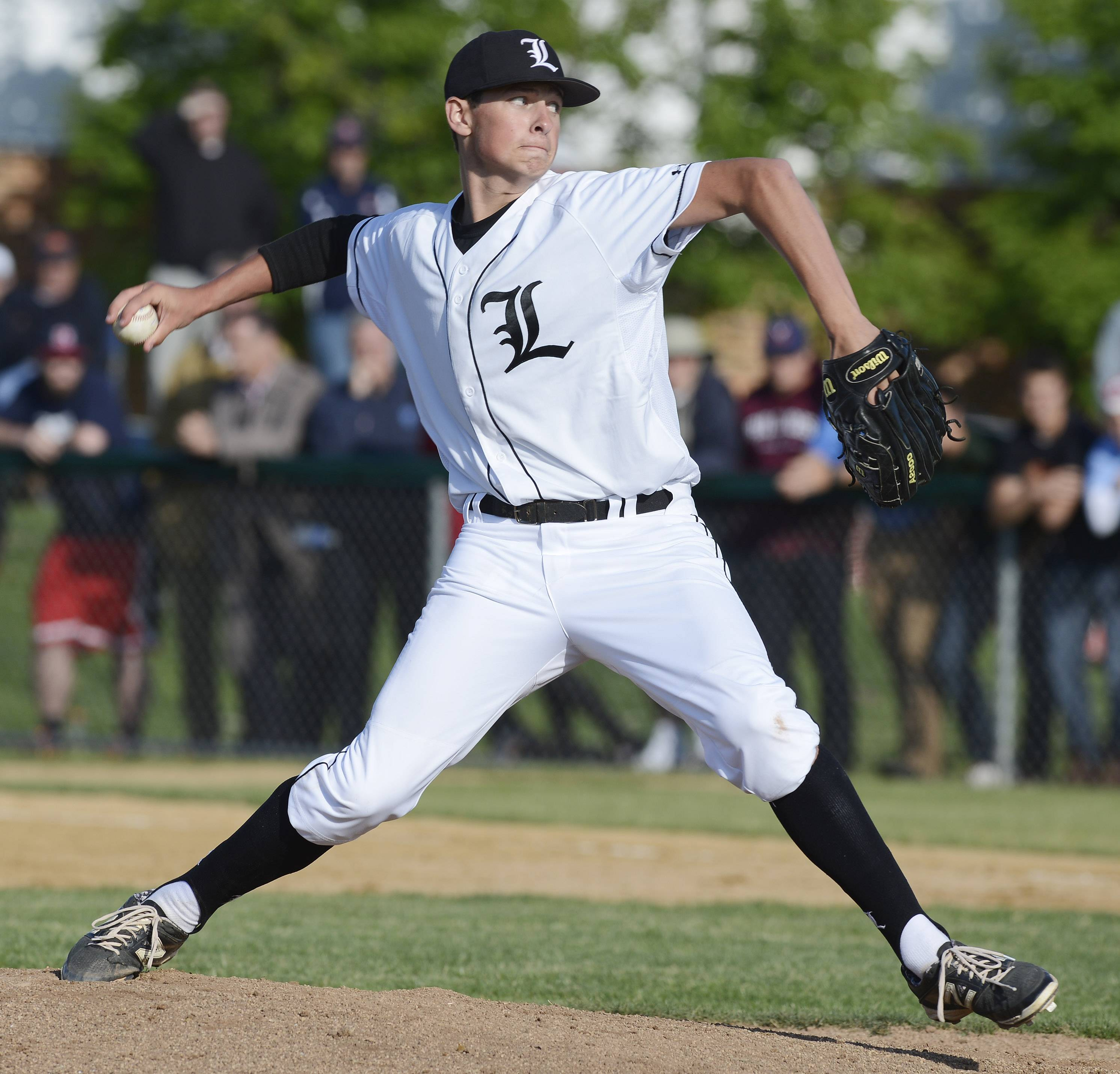 Libertyville's Jeff Barton delivers during Class 4A baseball sectional semifinal play at Glenbrook South on Wednesday.
