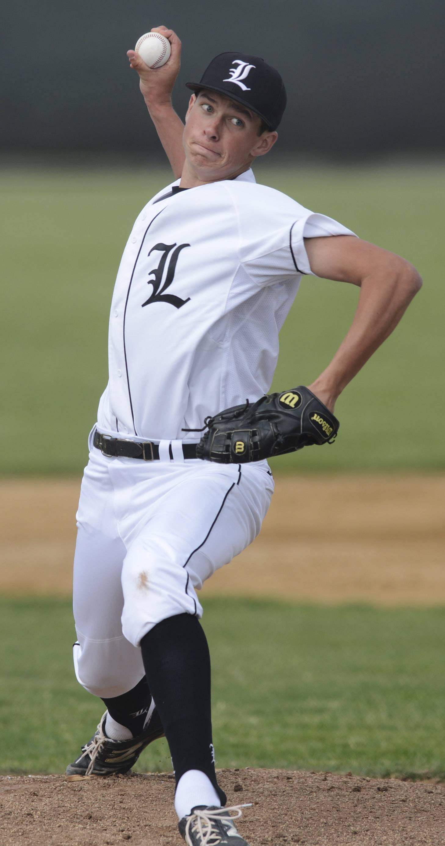 Libertyville pitcher Jeff Barton delivers during Class 4A baseball sectional semifinal play at Glenbrook South on Wednesday.