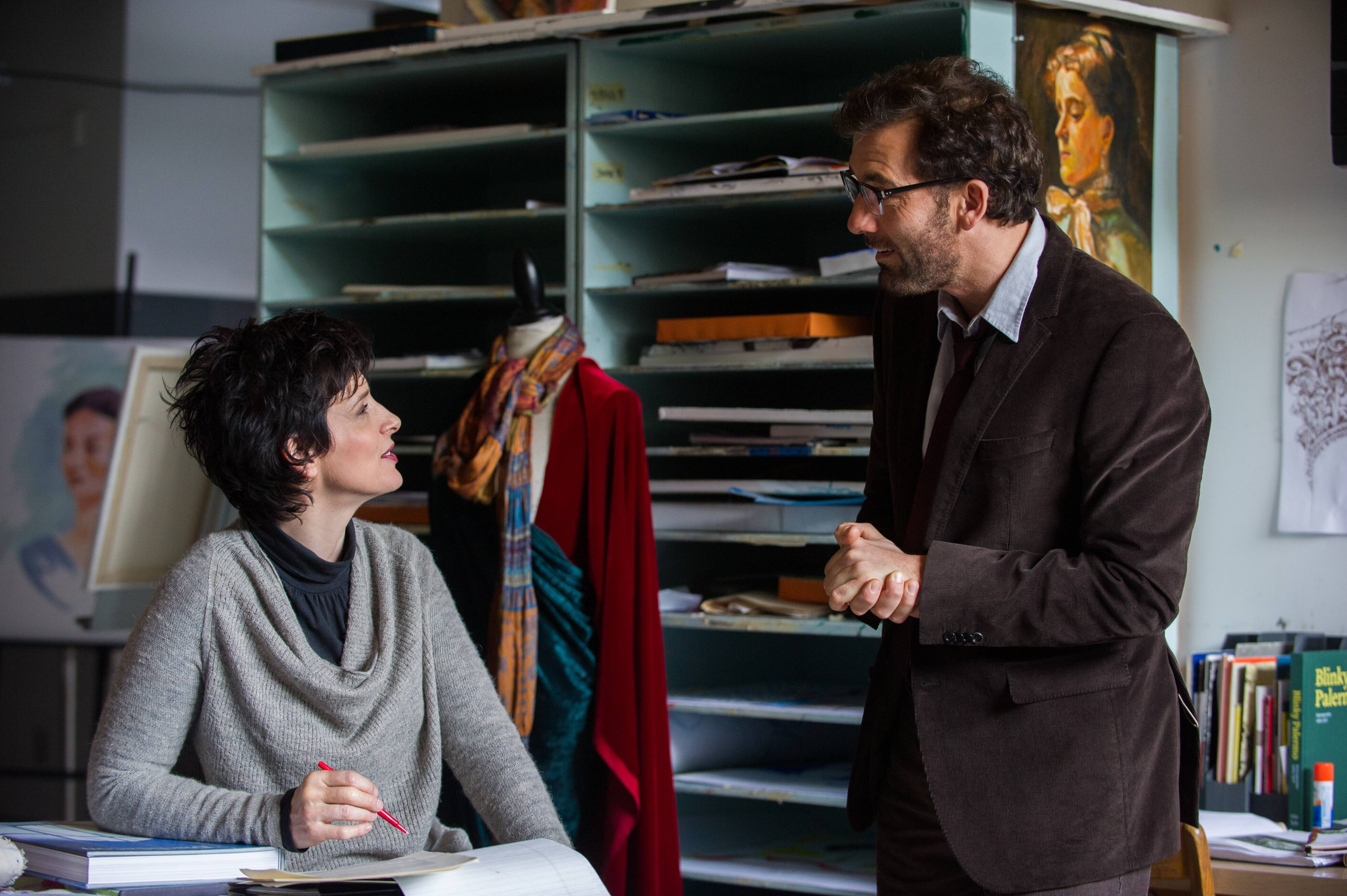 "Prep school teachers Dina (Juliette Binoche) and Jack (Clive Owen) clash before coming together in ""Words and Pictures."""