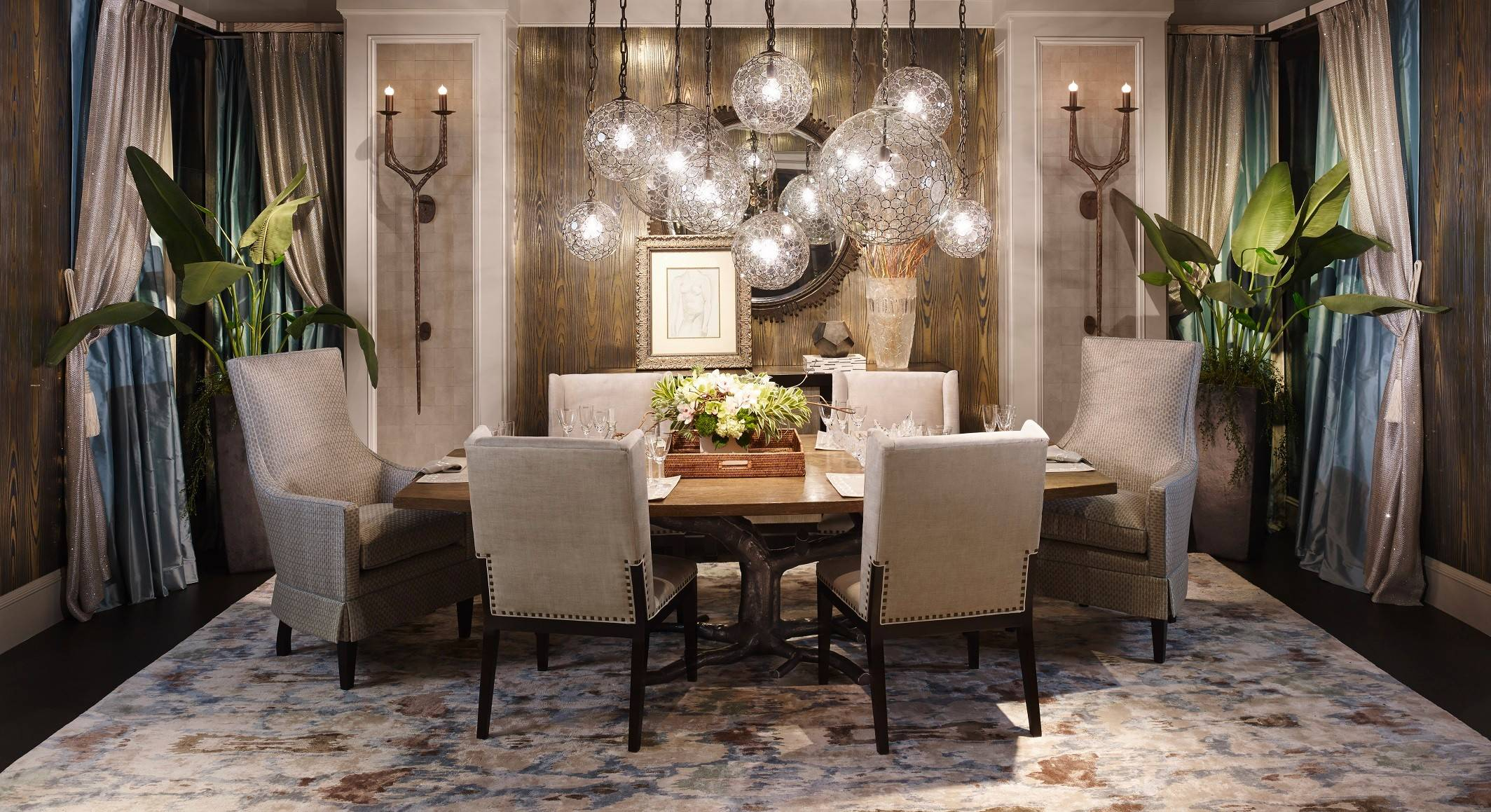 Designer Erik Kolacz' dining room was inspired by a Napa Valley vacation home where he and friends enjoyed chatting at mealtime.