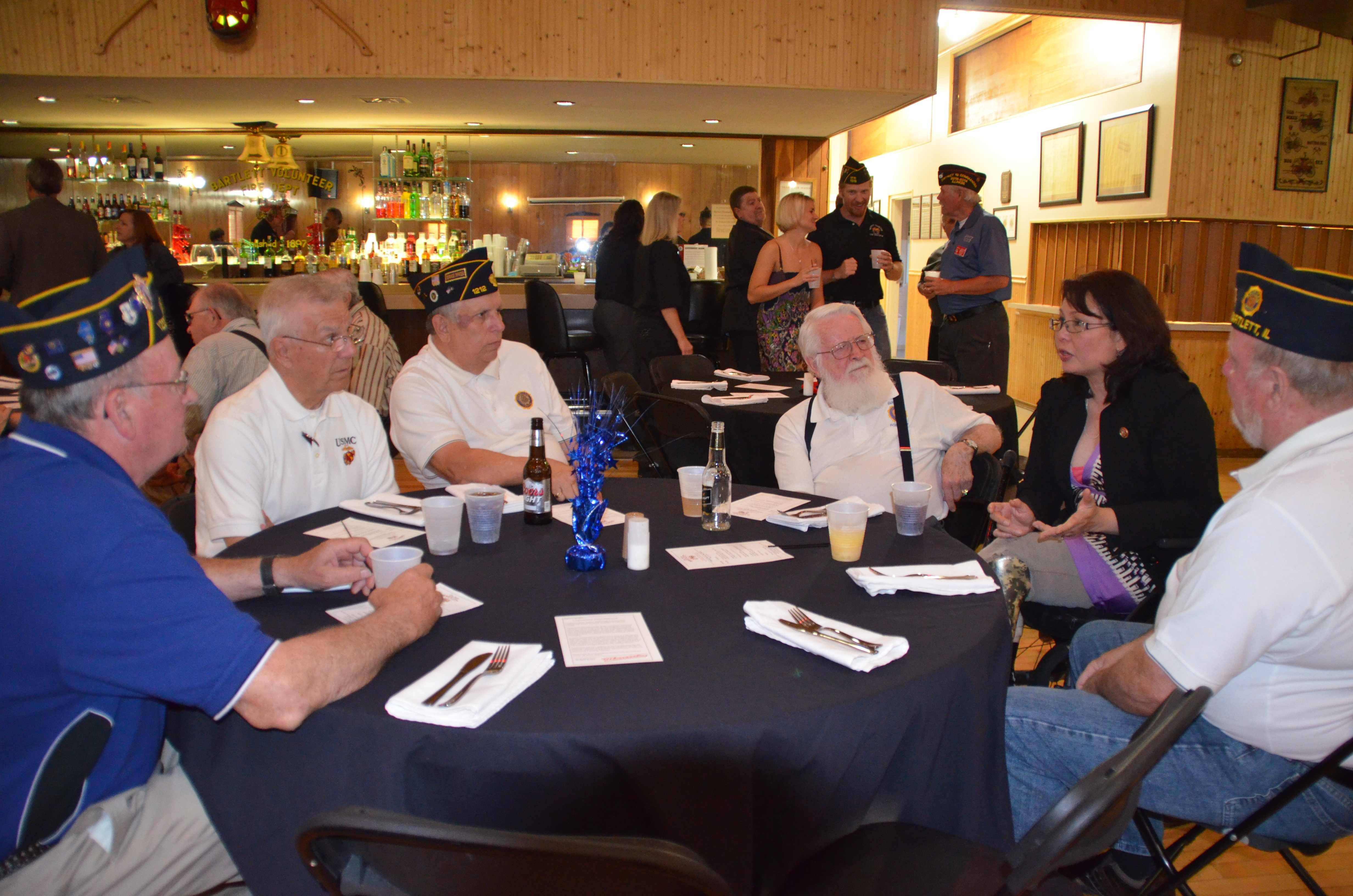 Rep. Duckworth shares stories with Bartlett area veterans