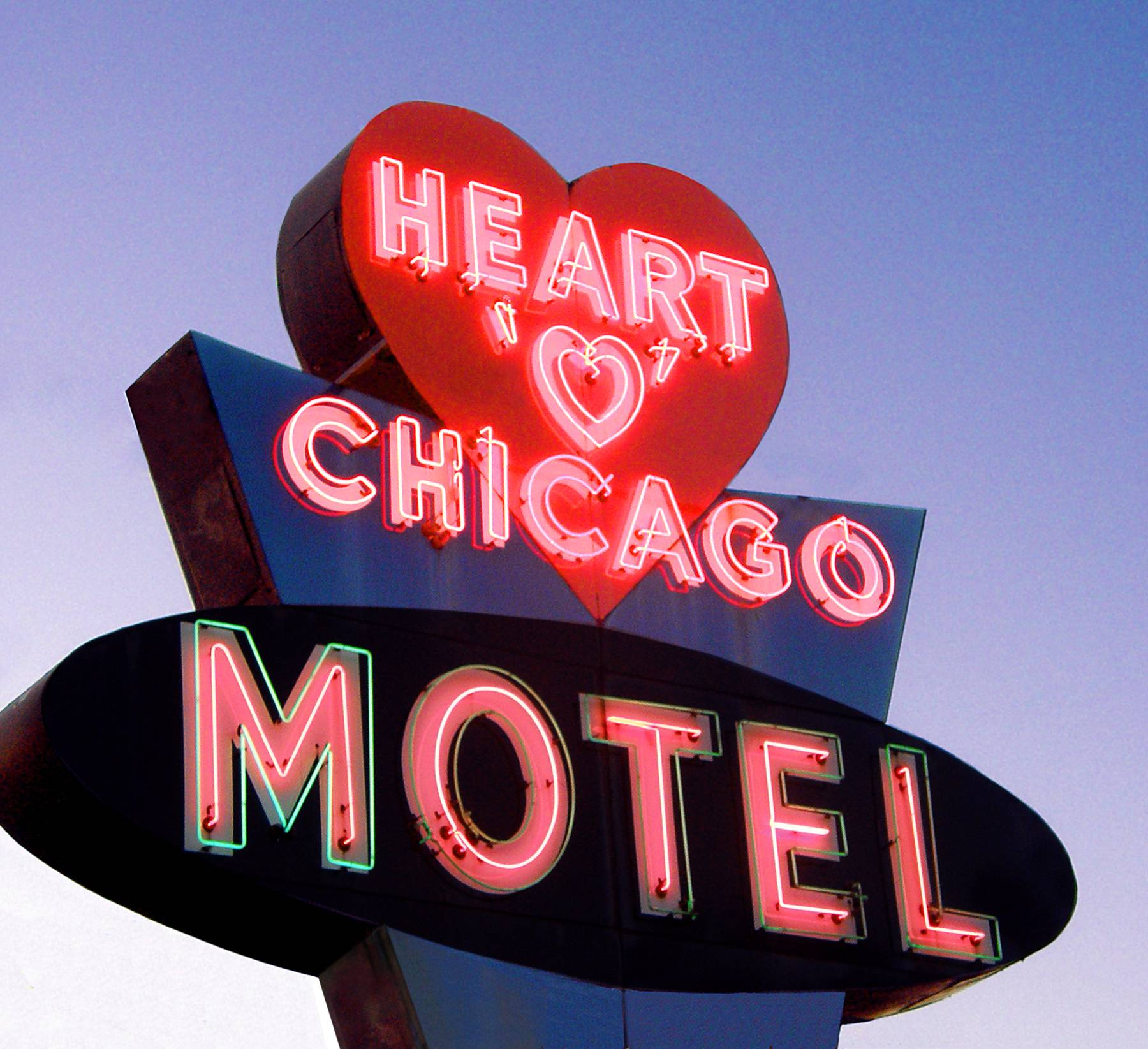 Classic Chicago neon sign Heart O' Chicago Motel