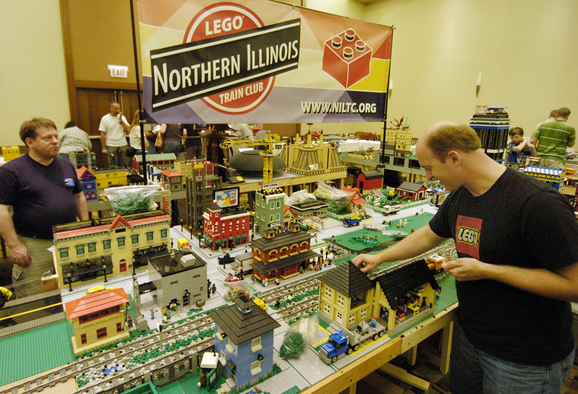 The Northern Illinois Lego Train Club set up this exhibit at the 2008 Brickworld exhibit in Wheeling.