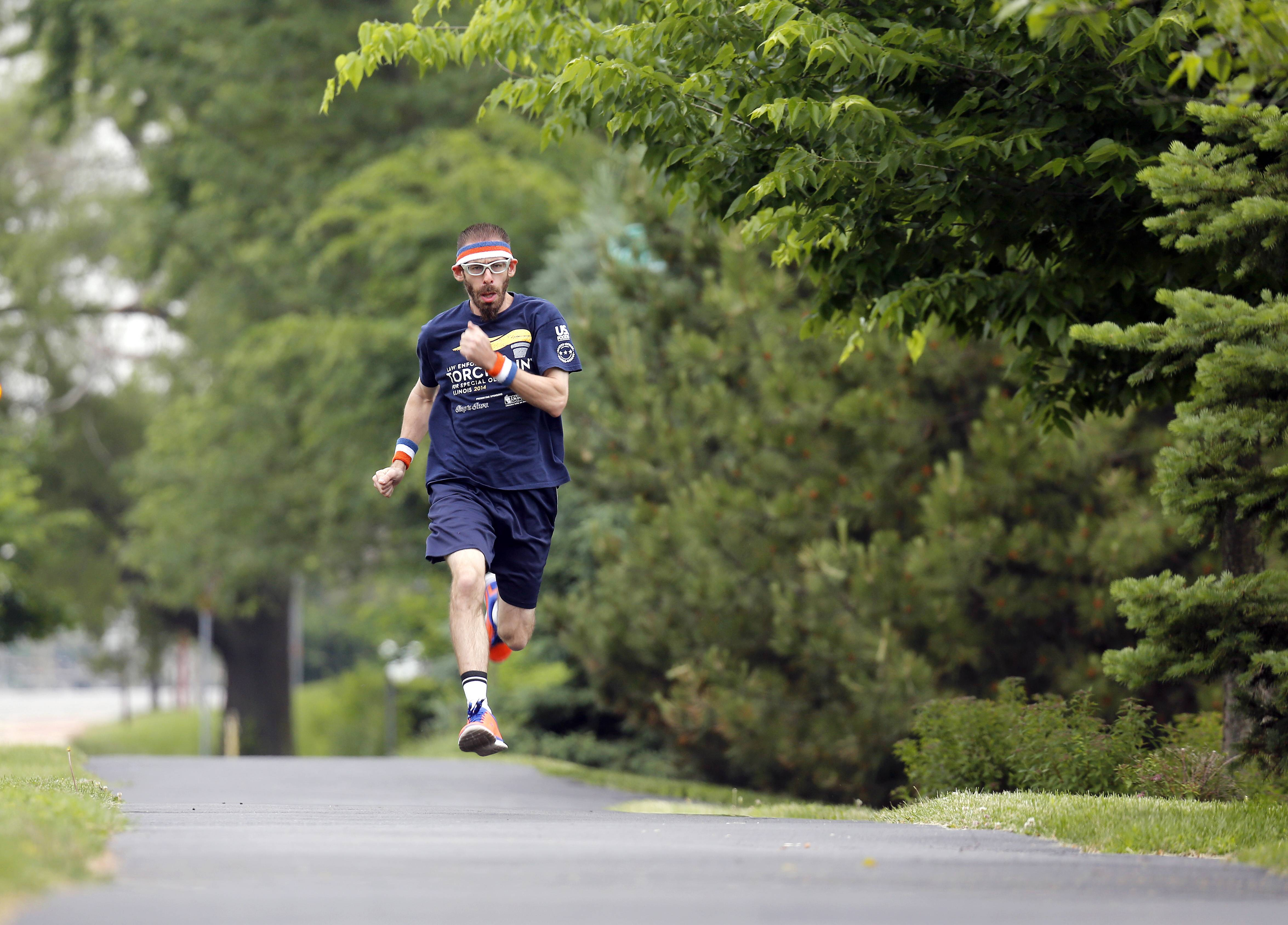 Crystal Lake Special Olympian runs 'like lightning'