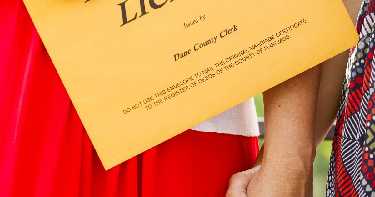 Clerks Could Face Charges Over Gay Marriage Licenses