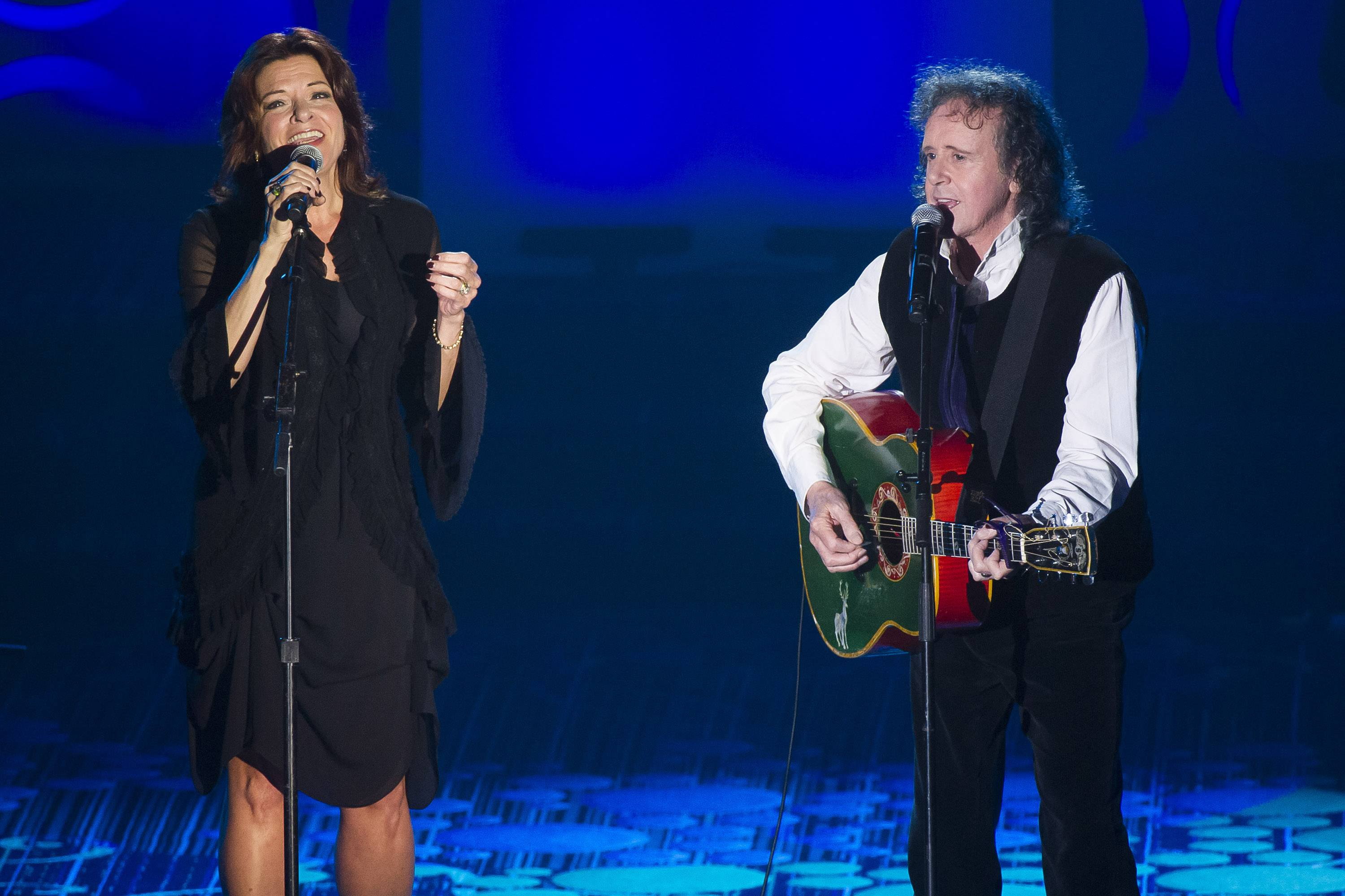 "Rosanne Cash performed ""Catch the Wind"" with Donovan following his induction."