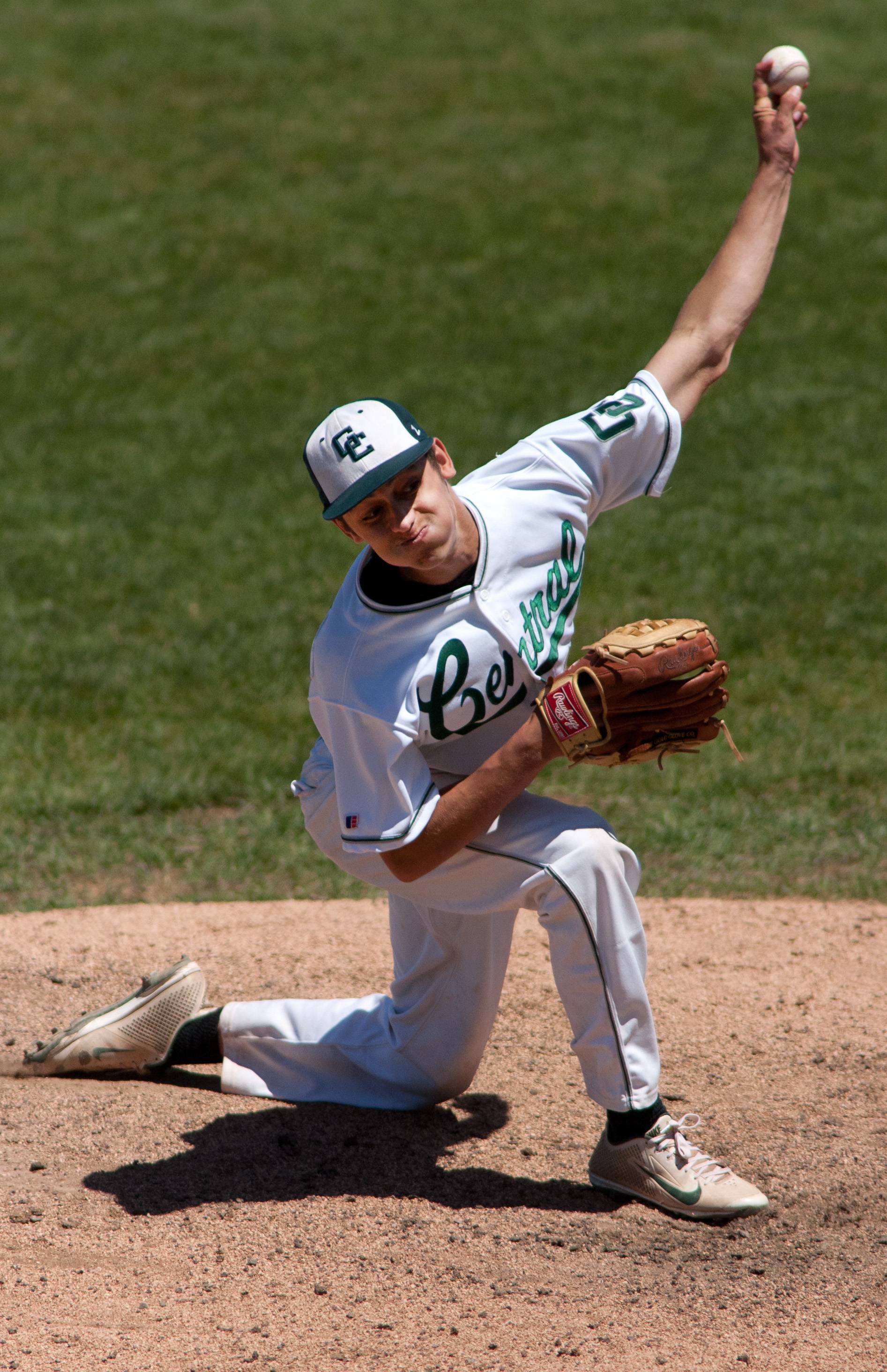 Grayslake Central pitcher Justin Guryn delivers a pitch against Springfield Sacred Heart-Griffin during the Class 3A baseball state semifinals at Silver Cross Field in Joliet.