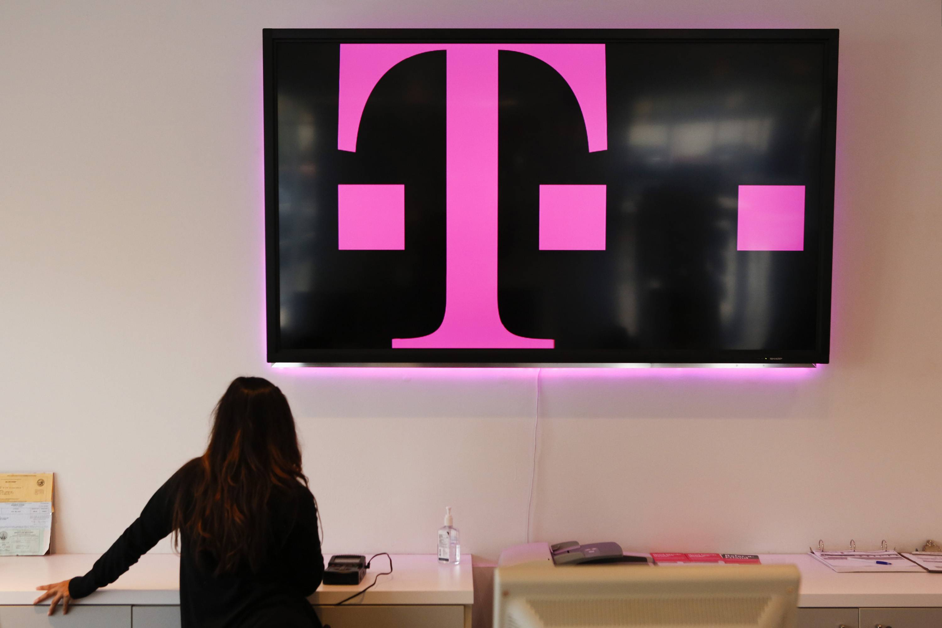 In the latest merger-in-the-making, Sprint Corp. has proposed acquiring scrappy underdog carrier T-Mobile US Inc. in a deal valued at about $31 billion. That would leave just three major players in the U.S. mobile-phone market -- an understandable concern for regulators, who seem likely to block the merger in the name of encouraging low prices and preserving competition.
