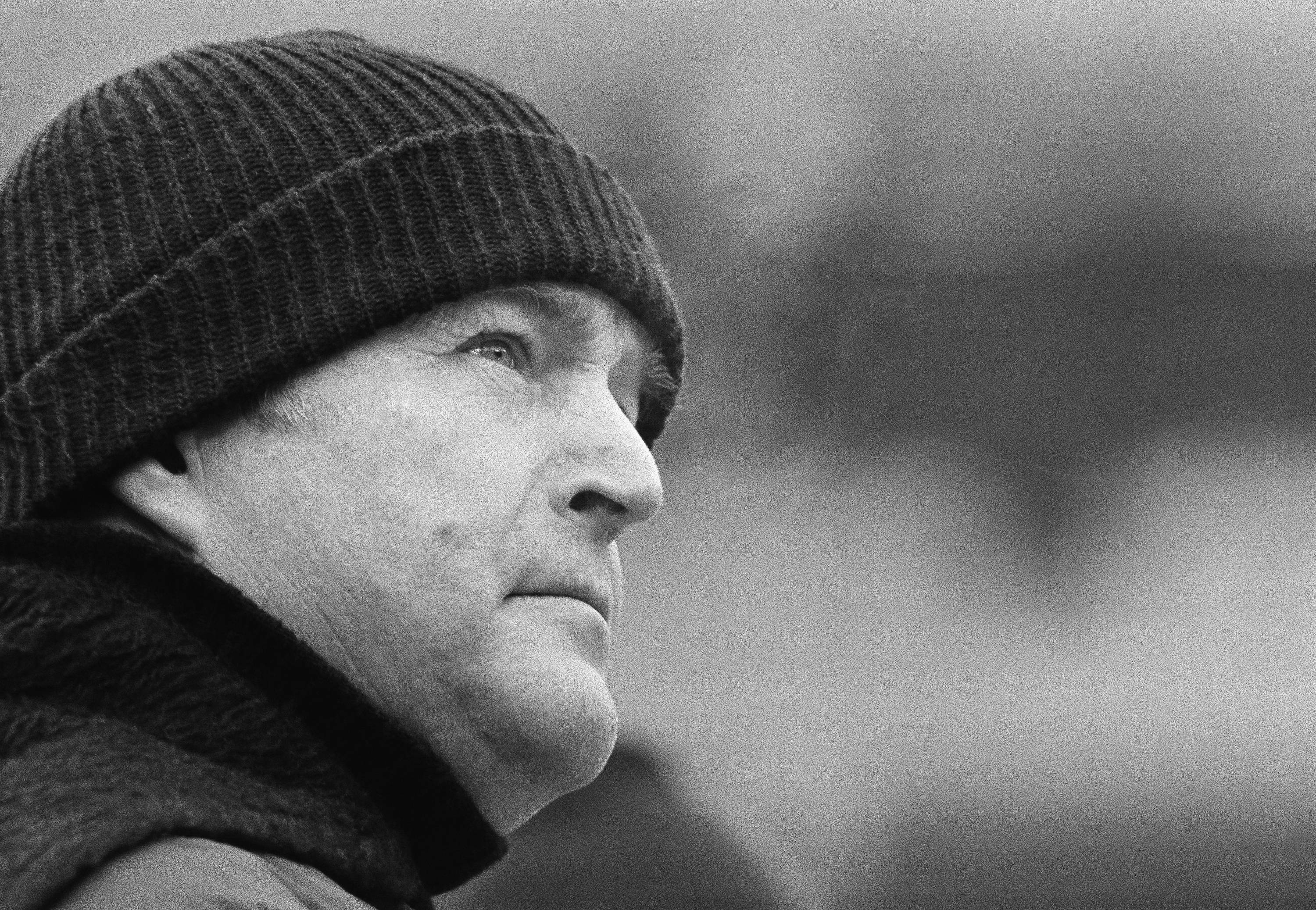 Pittsburgh Steelers coach Chuck Noll glances toward the scoreboard clock during the closing seconds of AFC championship game against the Houston Oilers in Pittsburgh.