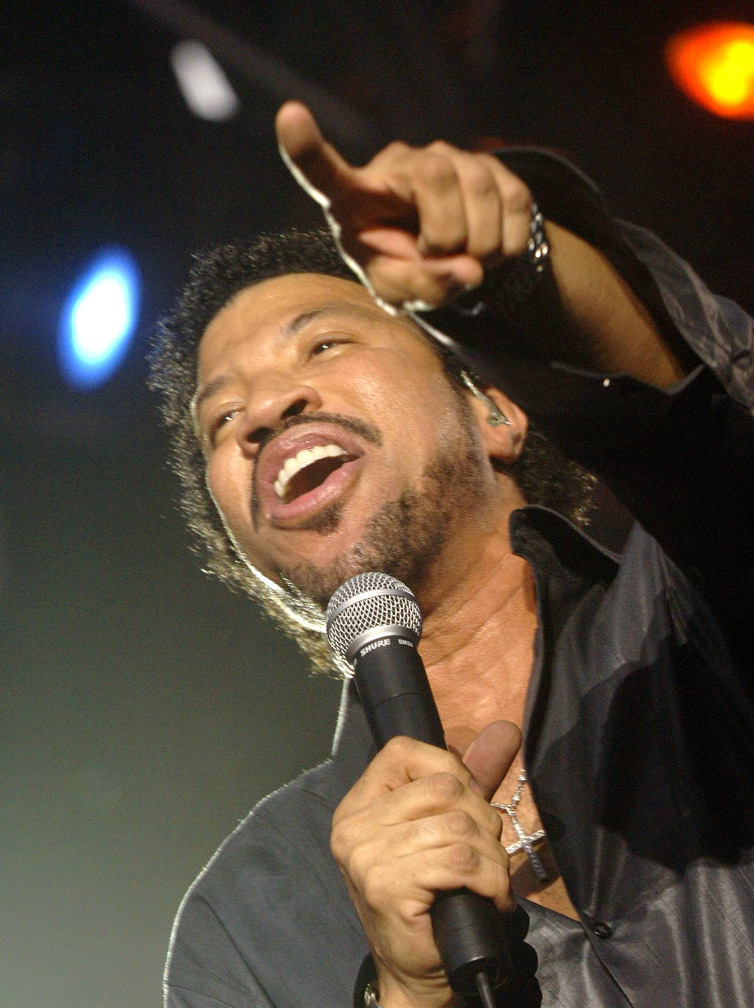 Lionel Richie headlines the First Midwest Bank Amphitheatre in Tinley Park Sunday.