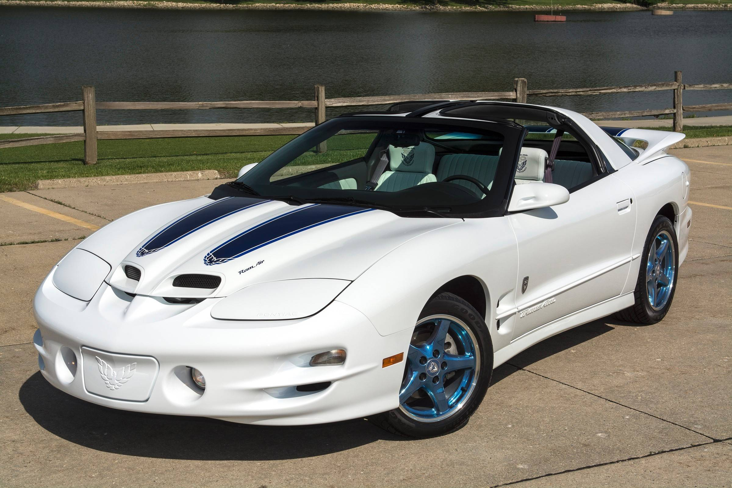 To celebrate the Trans Am's 30th anniversary, Pontiac made 1,600 special editions in 1999. It became the last redesign of the model before the Trans Am was discontinued.