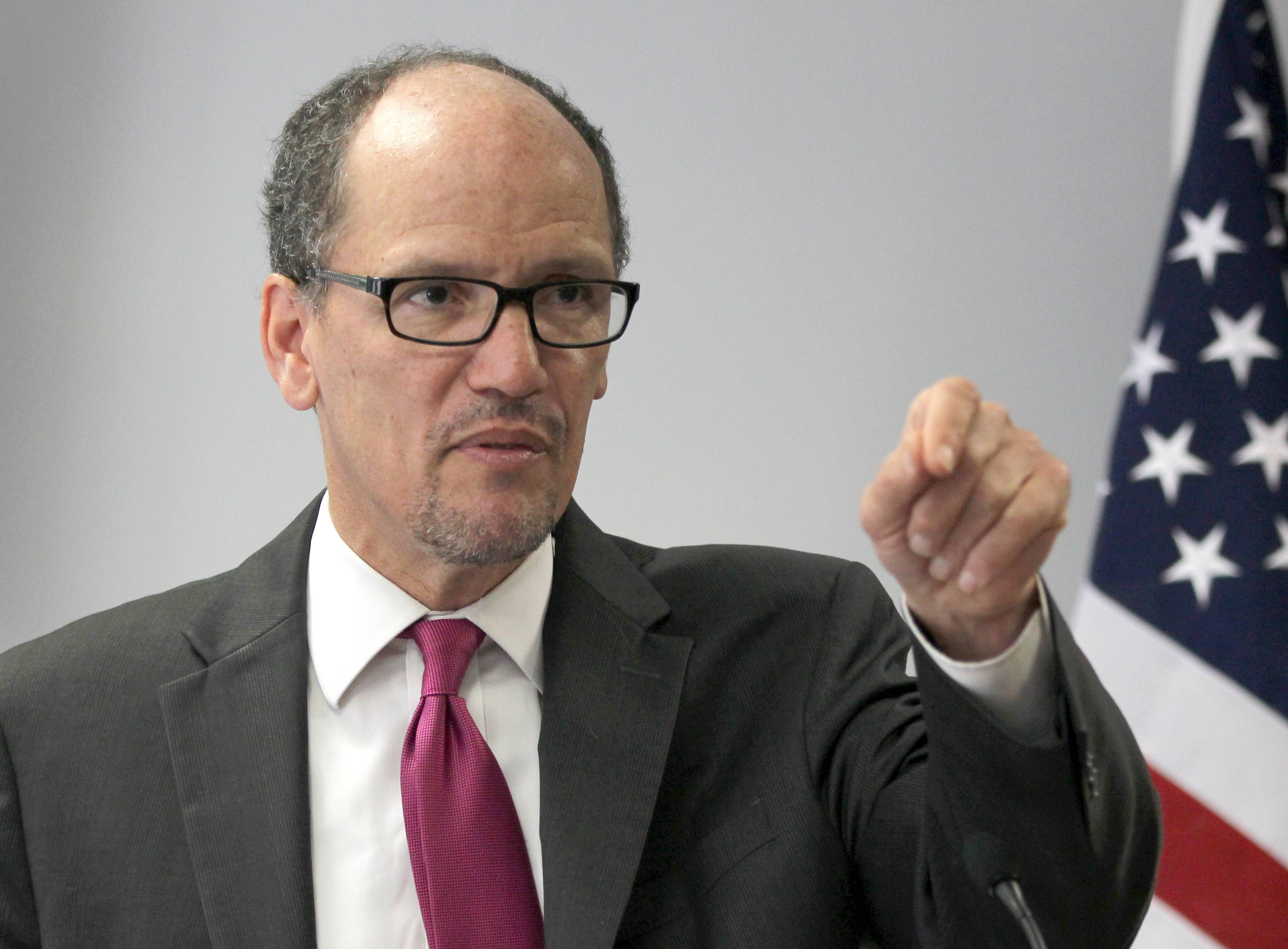 Labor Secretary Thomas E. Perez teamed up with the top Democrat on the House Education and Workforce Committee, to meet Monday with kitchen workers at a local restaurant and deliver a lunchtime plea for Congress to raise the federal minimum wage from $7.25 to $10.10.