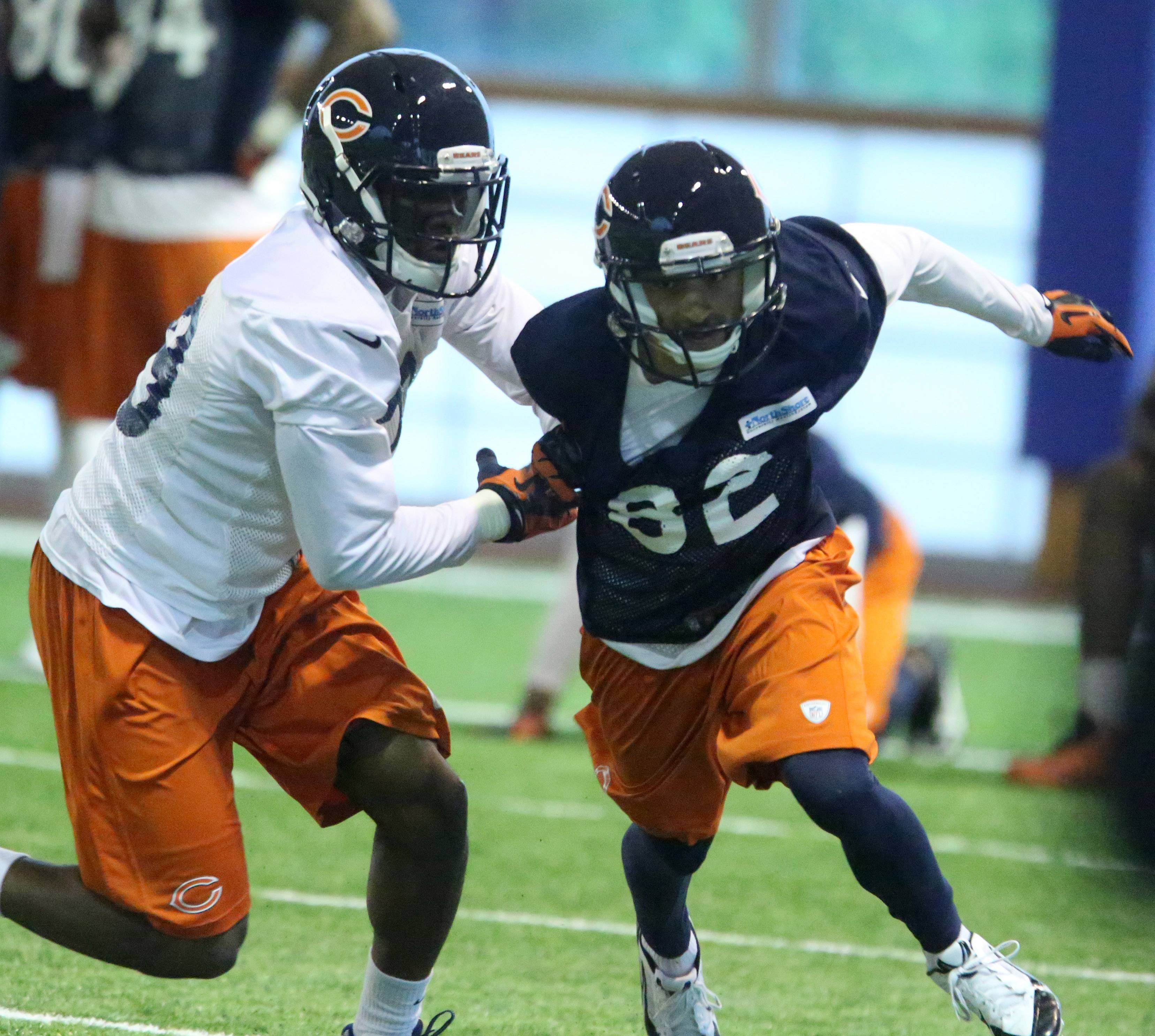 Chris Williams, trying to break free of defensive back Al Louis-Jean at Chicago Bears minicamp on Wednesday, hopes to earn a spot on special teams. He is the smallest of four possible returners in Bears camp.