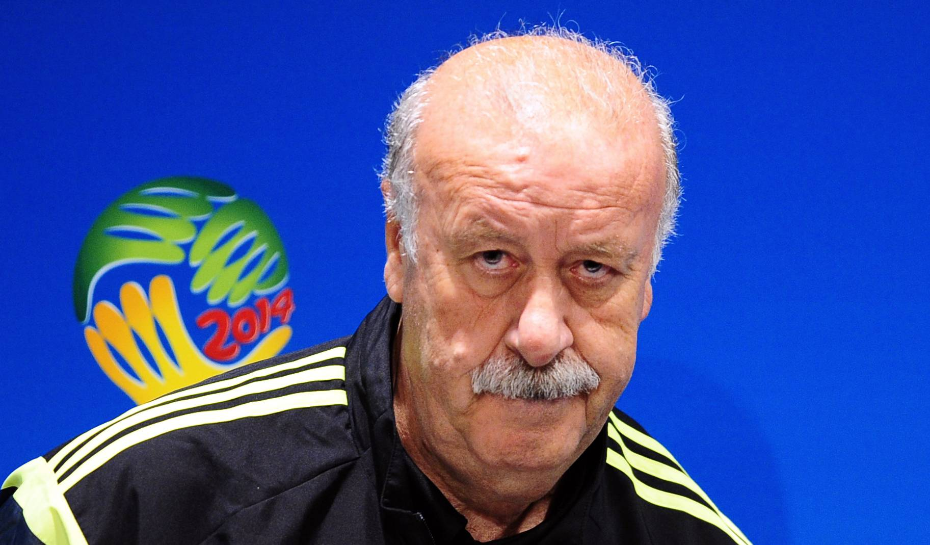 Spain's head coach Vicente del Bosque looks on during an official press conference the day before the group B World Cup soccer match between Spain and Chile at the Maracana stadium in Rio de Janeiro, Brazil, Tuesday, June 17, 2014. Spain will play in group B of the Brazil 2014 World Cup. (AP Photo/Manu Fernandez)