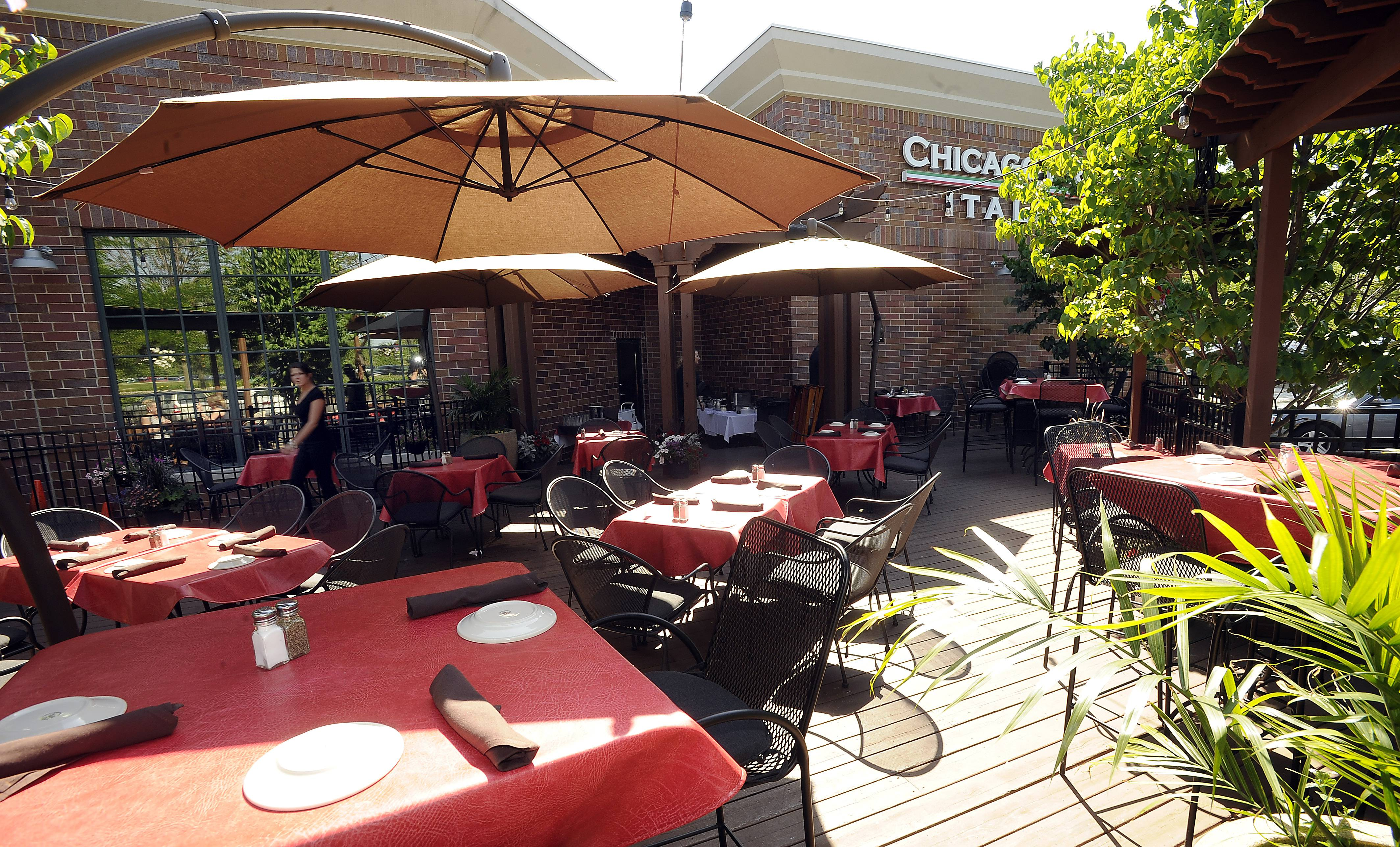 Chicago Prime Italian's outdoor patio welcomes diners for a leisurely meal.