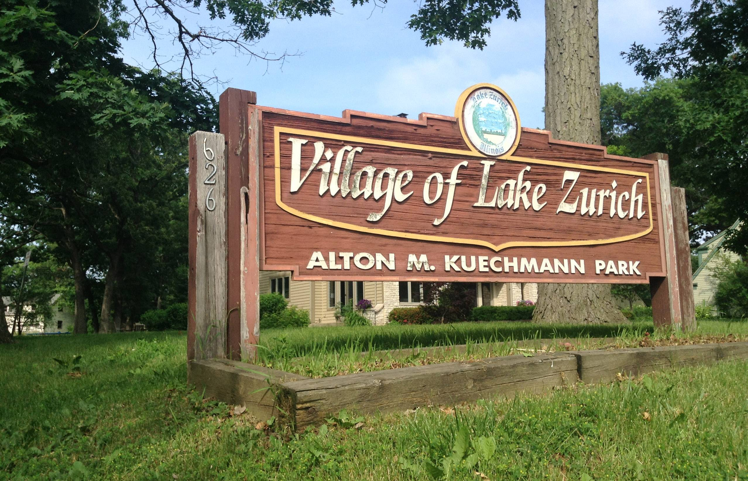 Kuechmann Park's main sign along Old Rand Road in Lake Zurich.