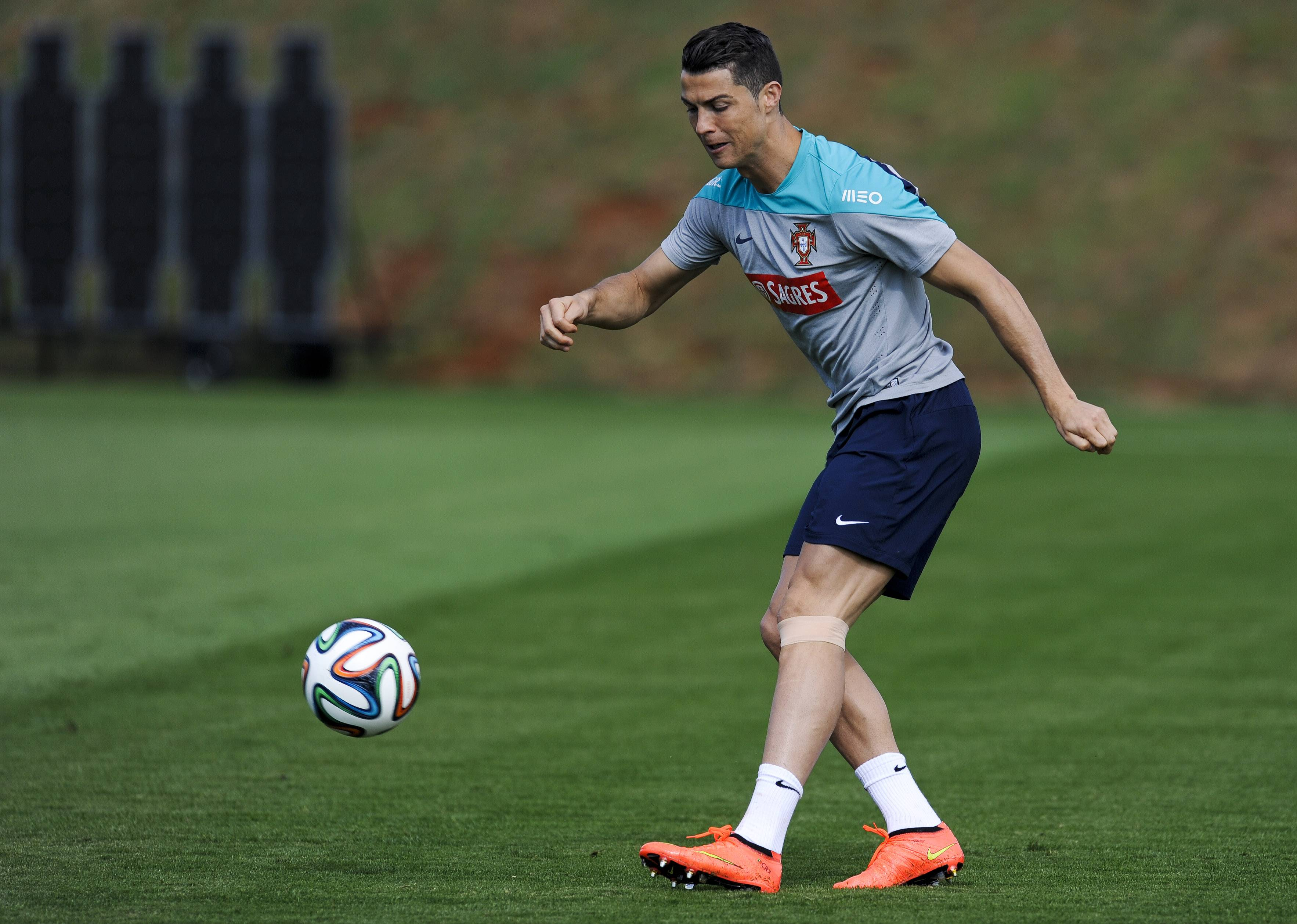 Portugal's Cristiano Ronaldo has been carrying an injury to his left knee, and the world player of the year was seen using an ice pack on it during training on Wednesday. But he is still expected to play against the Americans on Sunday.