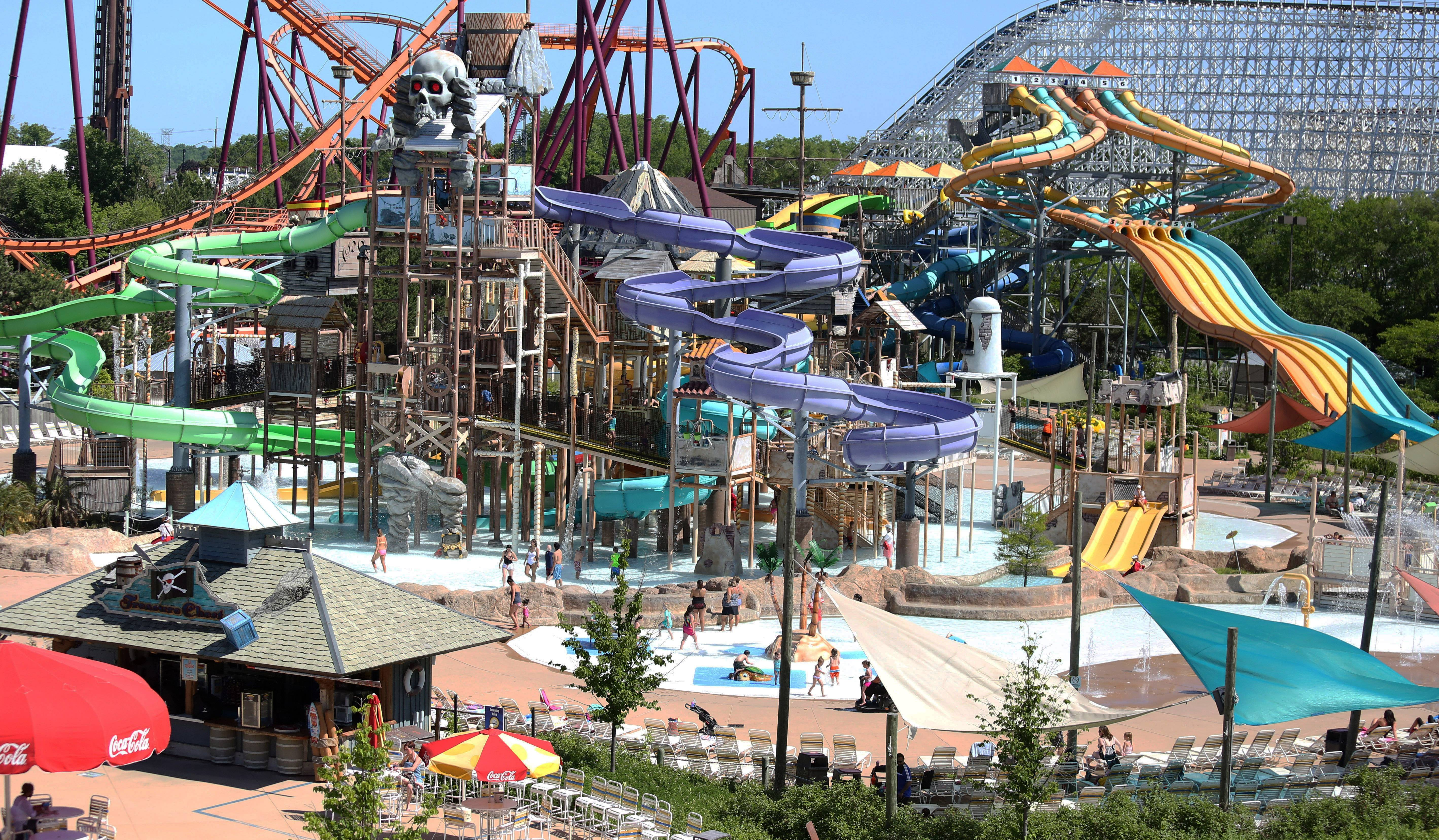 Kids make a splash at Skull Island play area at Great America's Hurricane Harbor.