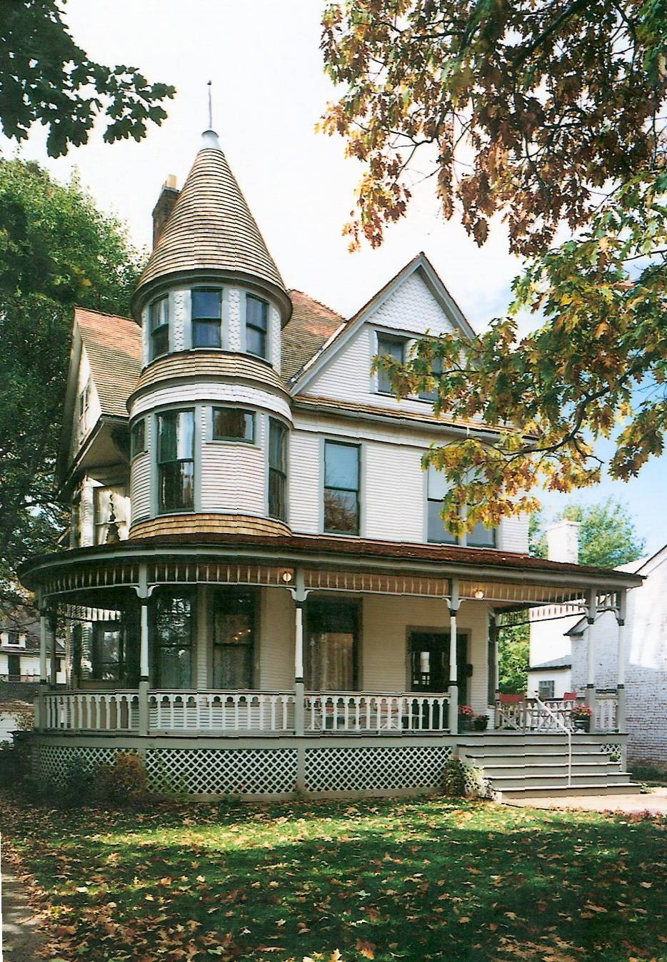 Ernest Hemingway's birthplace and Oak Park home, where the author lived as a young boy, can be visited along with a nearby museum. It's one of a number of sites Hemingway fans can visit in Florida, Idaho, Arkansas and Cuba.