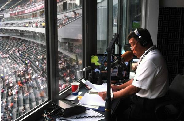 P.A announcer Gene Honda the busiest man in Chicago sports