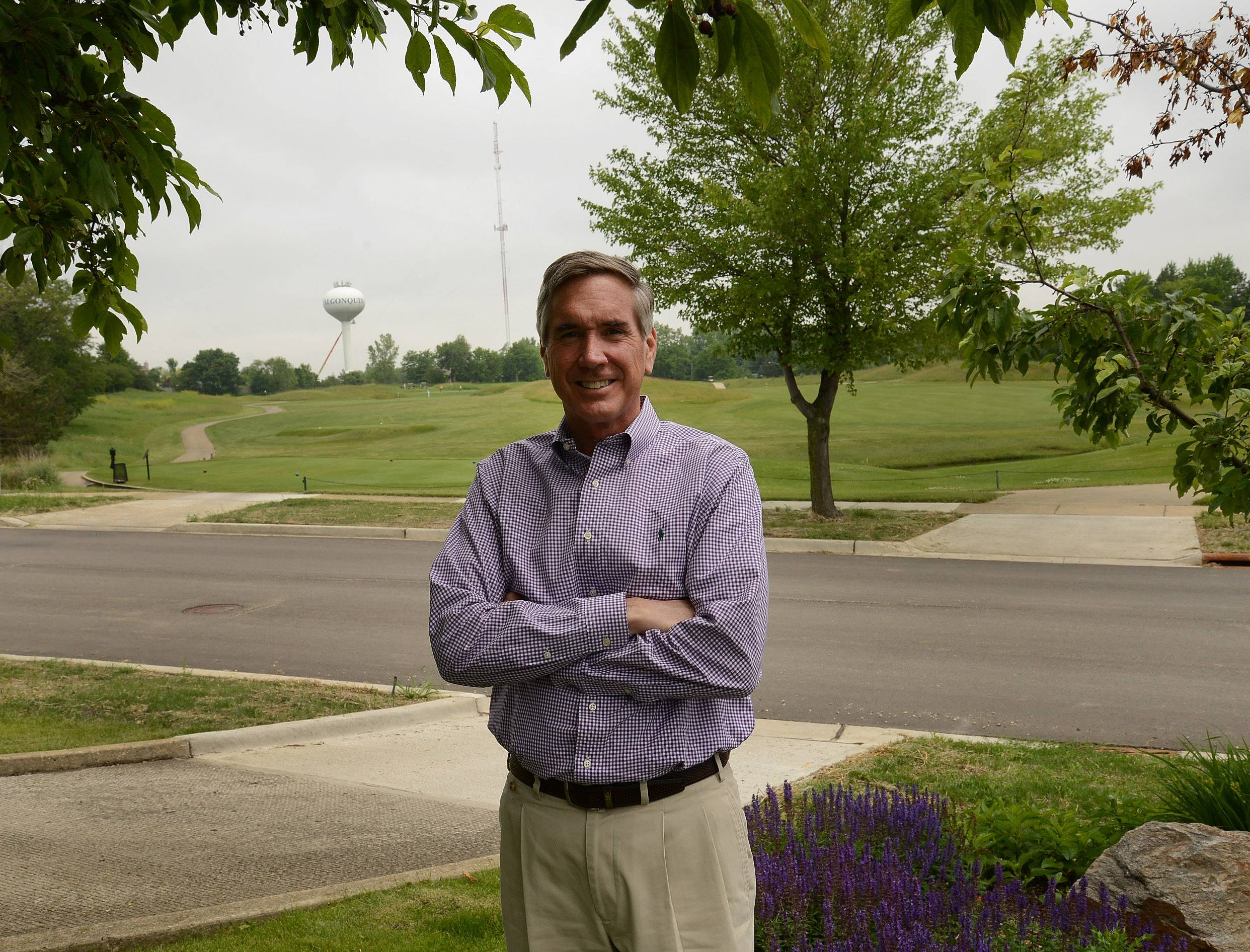 New Illinois Republican Party chairman and Cook County Commissioner Tim Schneider owns the Golf Club of Illinois in Algonquin.