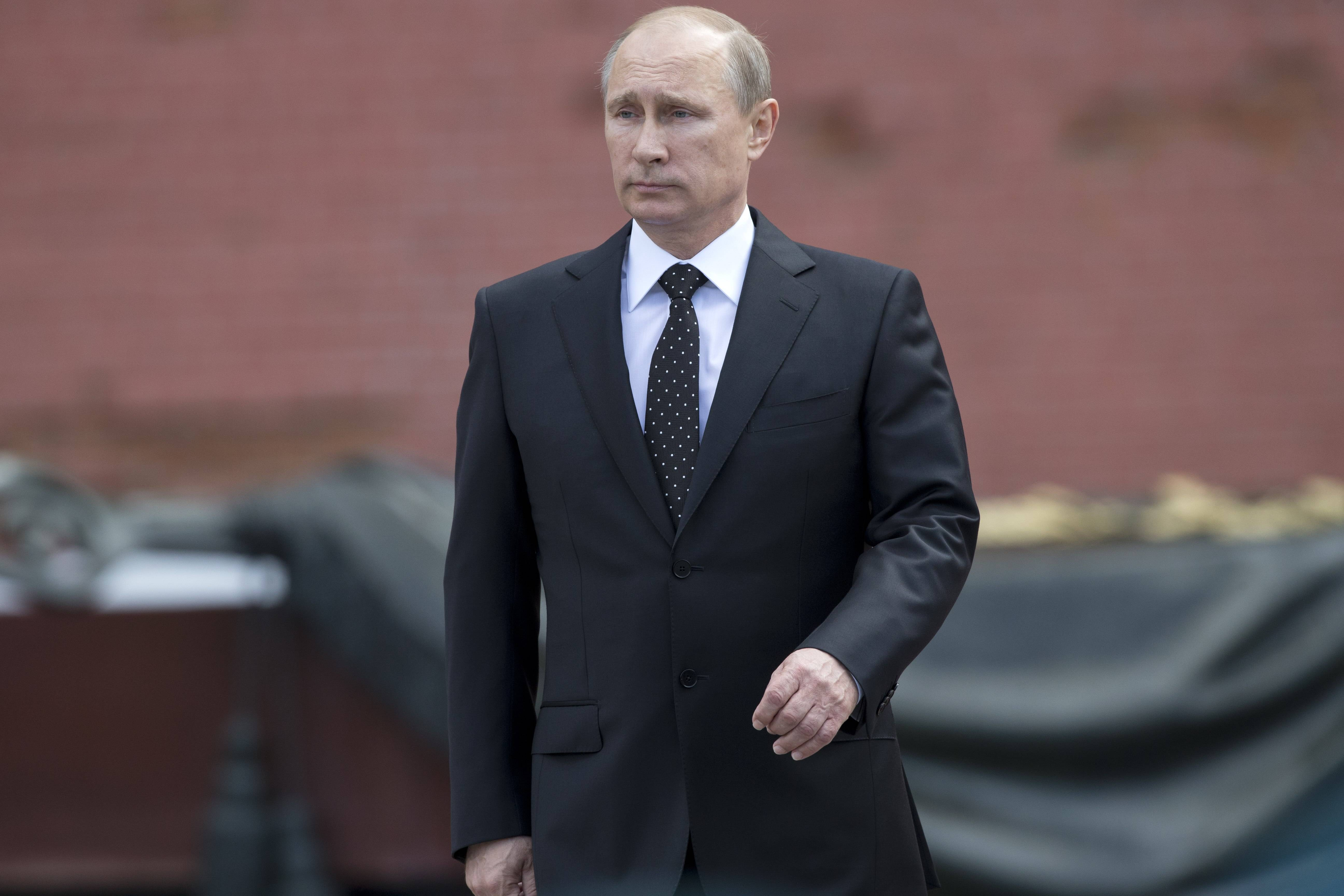 Russian Vladimir Putin has asked parliament to cancel a resolution that sanctions the use of military force in Ukraine. Putin wrote to the head of parliament's upper house asking that a March 1 request authorizing the use of force in neighboring Ukraine be withdrawn.