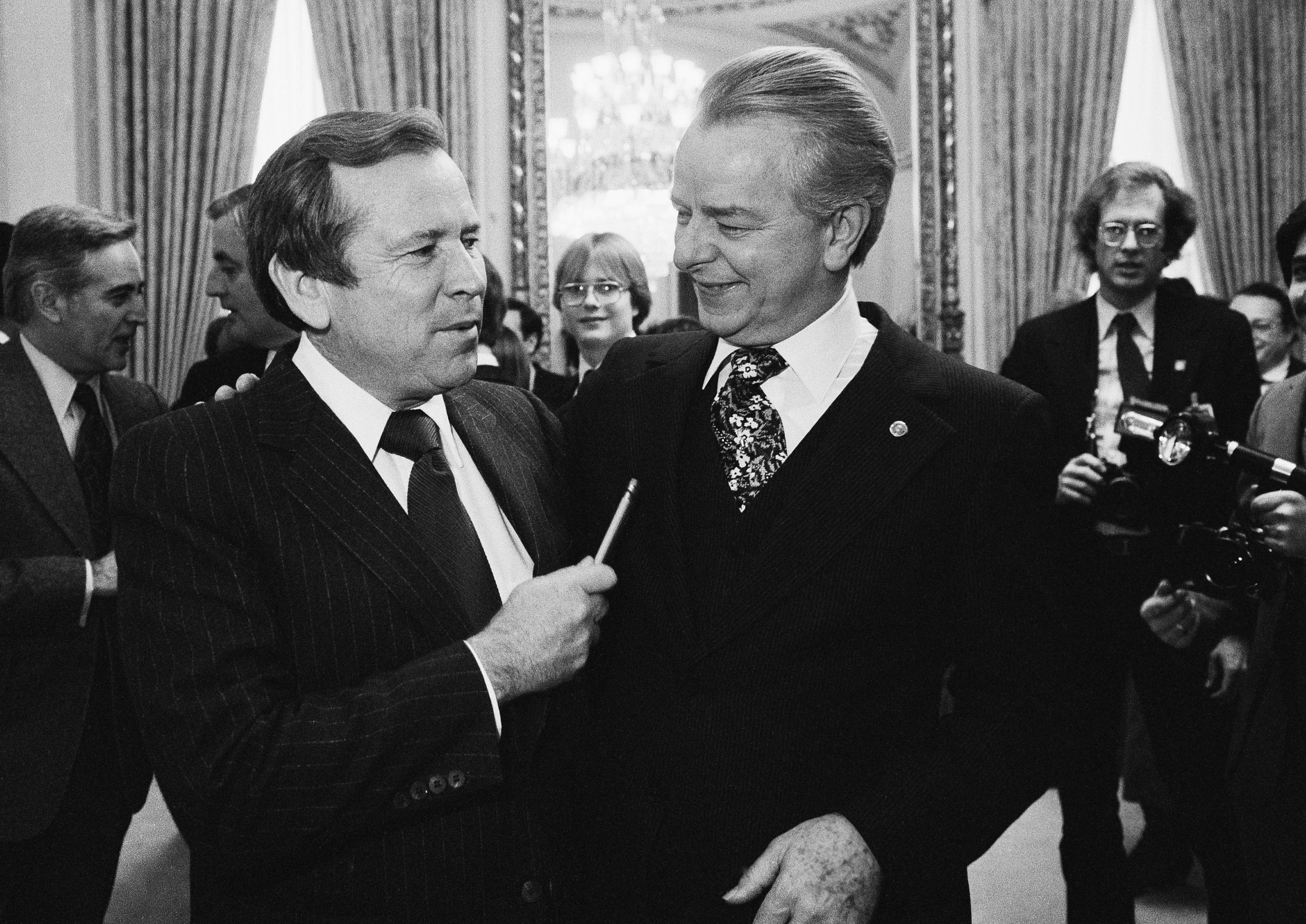Senate Majority Leader Robert Byrd of West Virginia right, talking to the man who will replace him, Sen. Howard Baker, a Tennessee Republican, on Capitol Hill in Washington. Baker, who asked what President Richard Nixon knew about Watergate, has died. He was 88. Baker, a Republican, served 18 years in the Senate. He earned the respect of Republicans and Democrats alike and rose to the post of majority leader. He served as White House chief of staff at the end of the Reagan administration and was U.S. ambassador to Japan during President George W. Bush's first term.