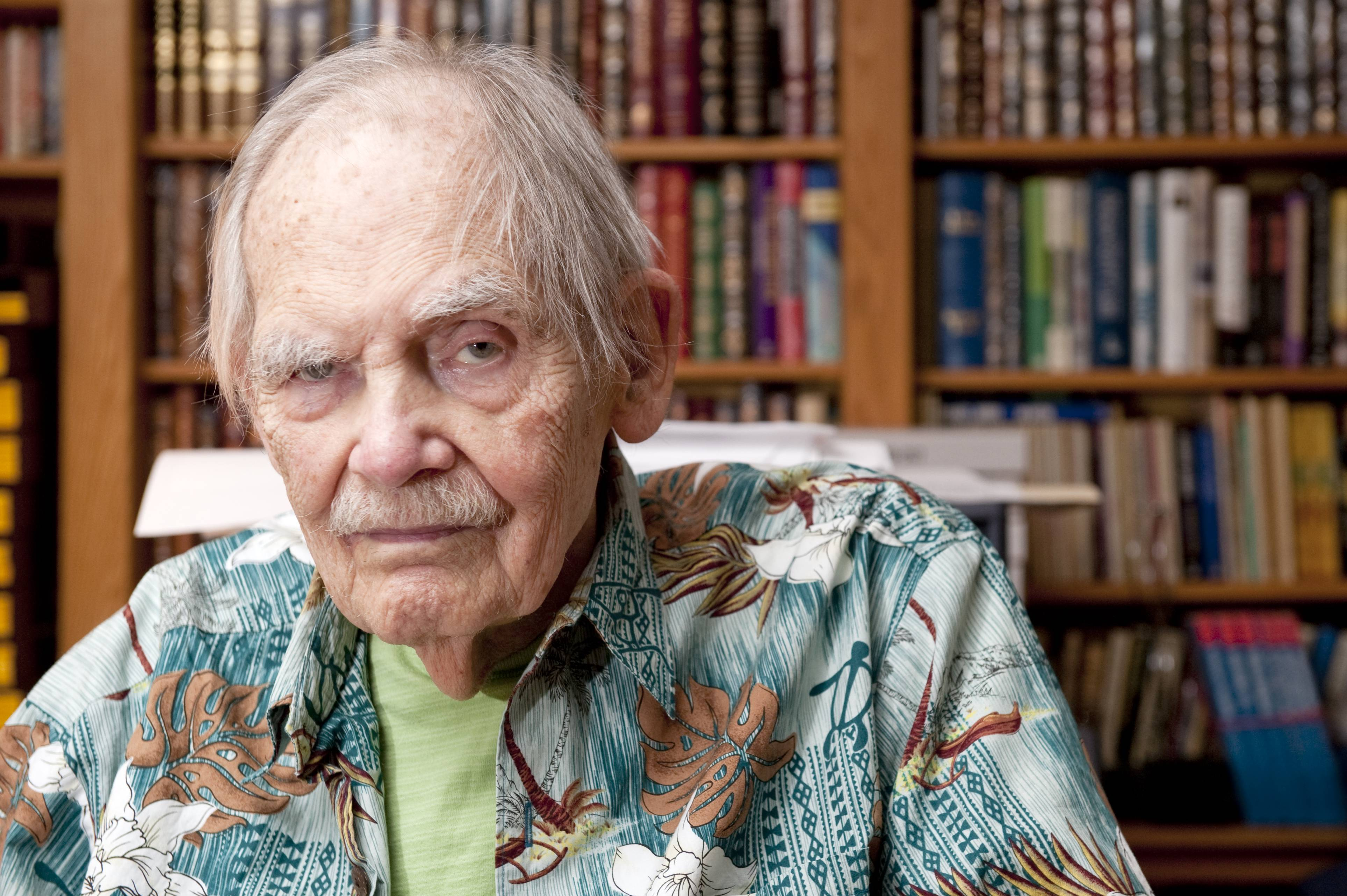 A memorial service for acclaimed science fiction writer, and longtime Palatine resident, Frederik Pohl will take place Aug. 2 at Harper College.