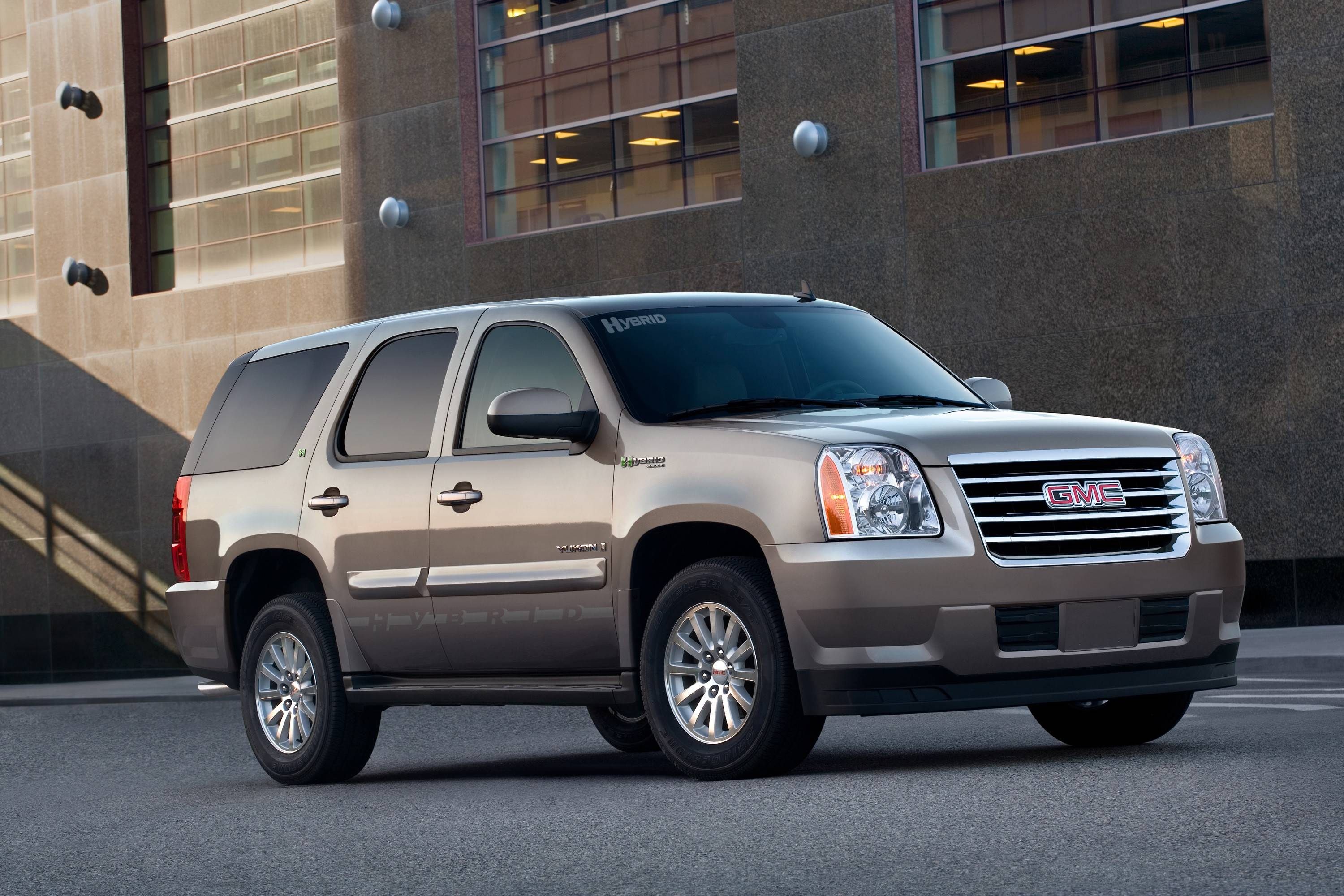 @*@*ADVANCE FOR WEDNESDAY FEB. 6@*@* In this photo released by GMC shows the 2008 GMC Yukon Hybrid. (AP Photo/GMC)