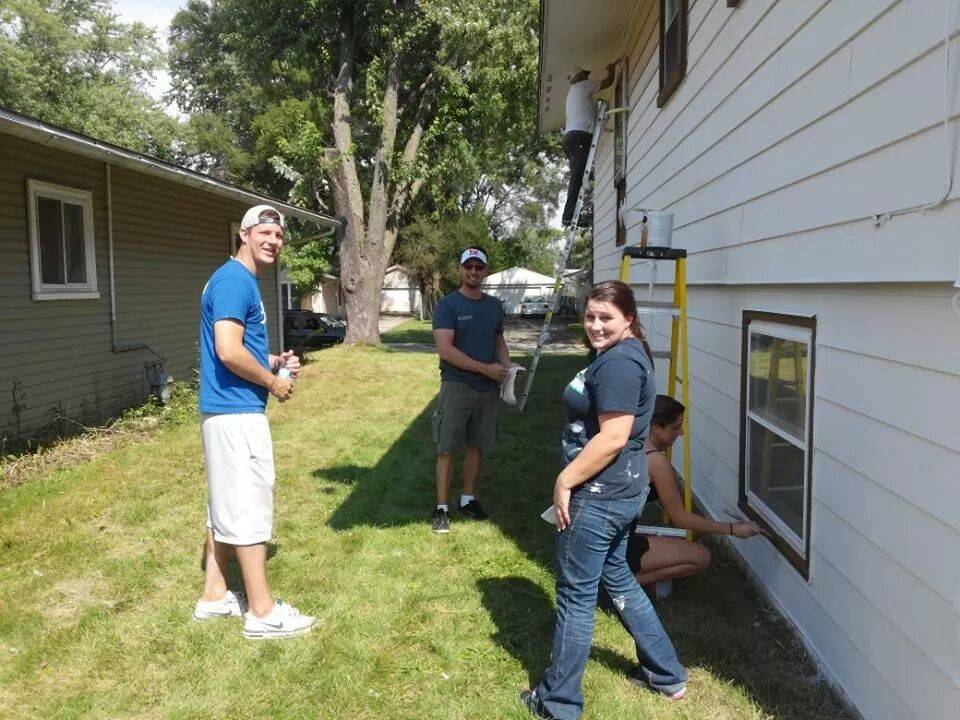 Volunteers have fun while helping out at the annual Paint-A-Thon of Carpentersville.