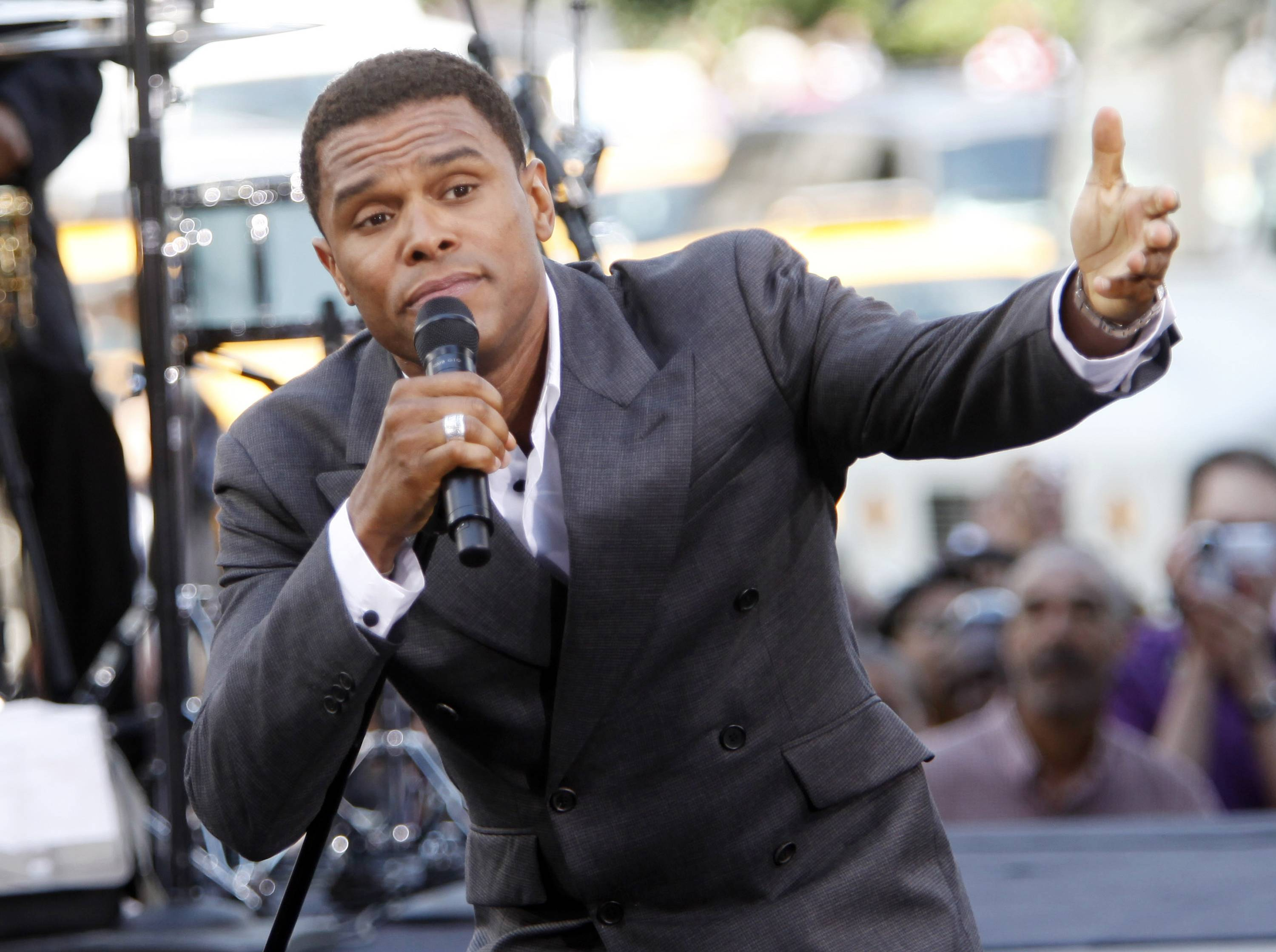 "Maxwell, seen here performing on the ""The Early Show"" in New York in 2009, plays Ravinia July 2."