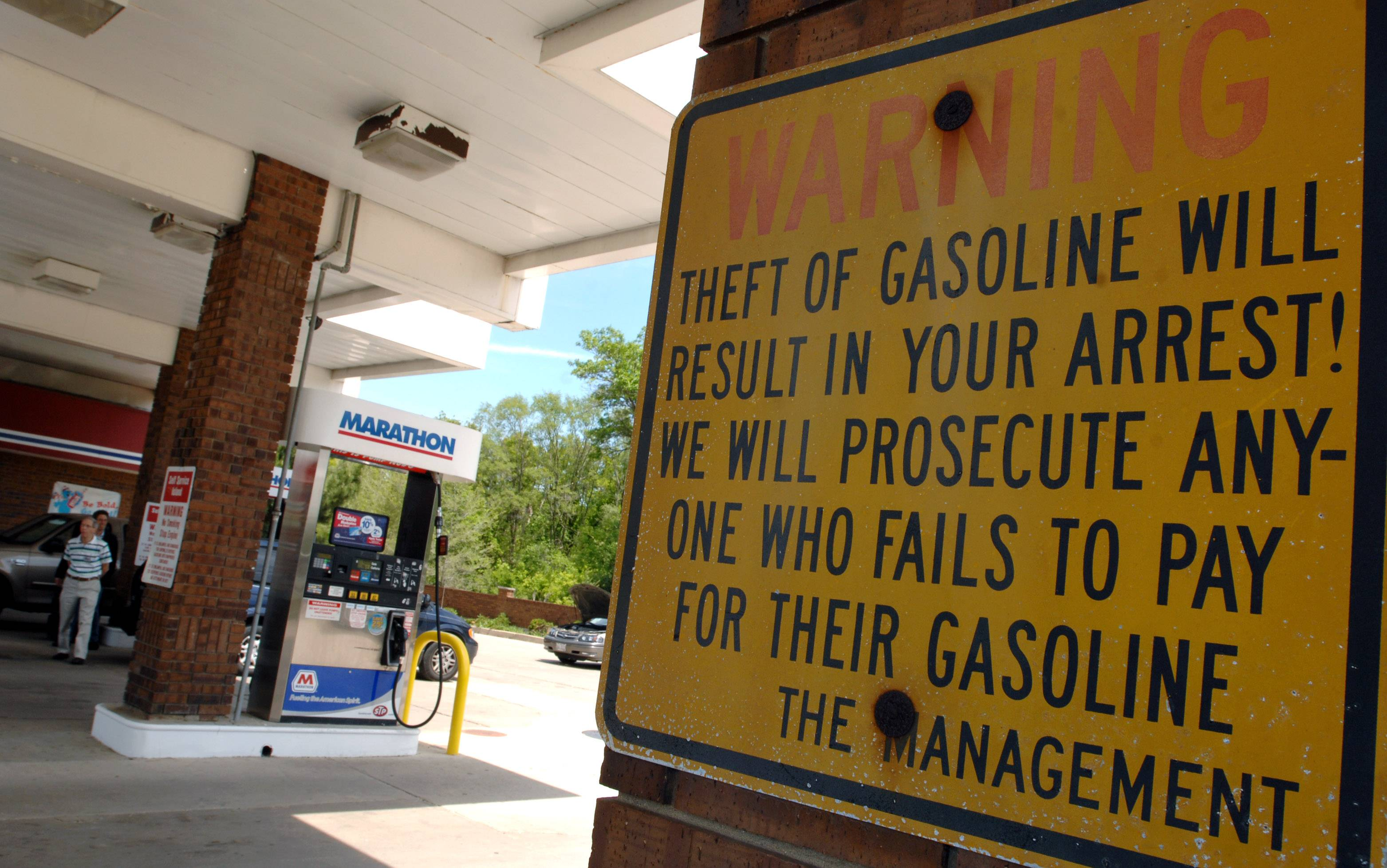 Motorists in the U.S. may pay the most for gasoline in six years over the July 4 Independence Day holiday as the escalating conflict in Iraq pushes oil prices higher during the peak driving season.