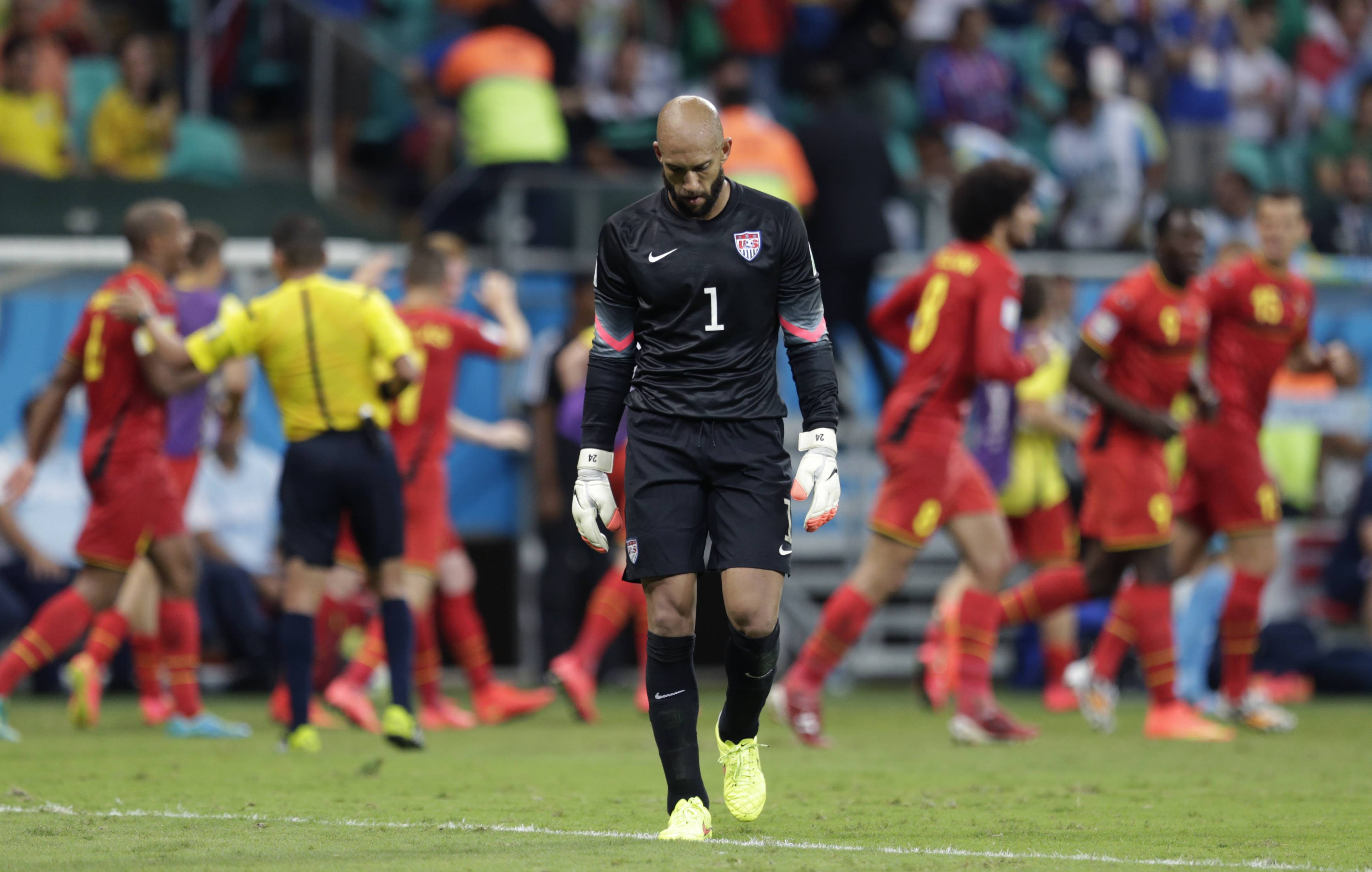 United States' goalkeeper Tim Howard, reacting after Belgium's Kevin De Bruyne scored the opening goal Tuesday, kept his team in the game with 16 saves.