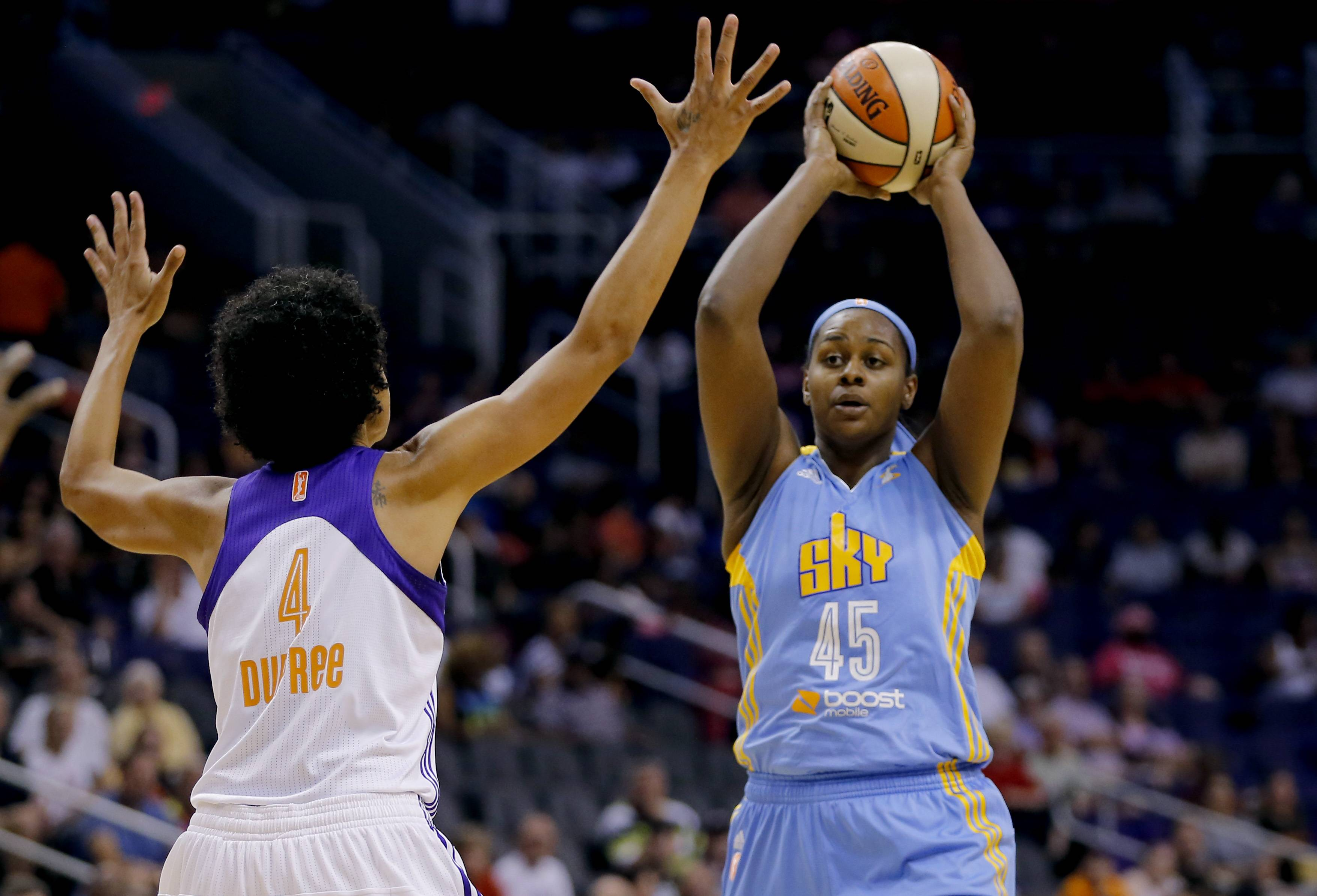 Candice Dupree had 26 points and 14 rebounds to lead the Phoenix Mercury to their sixth straight win, 87-69 over the Sky on Wednesday night.