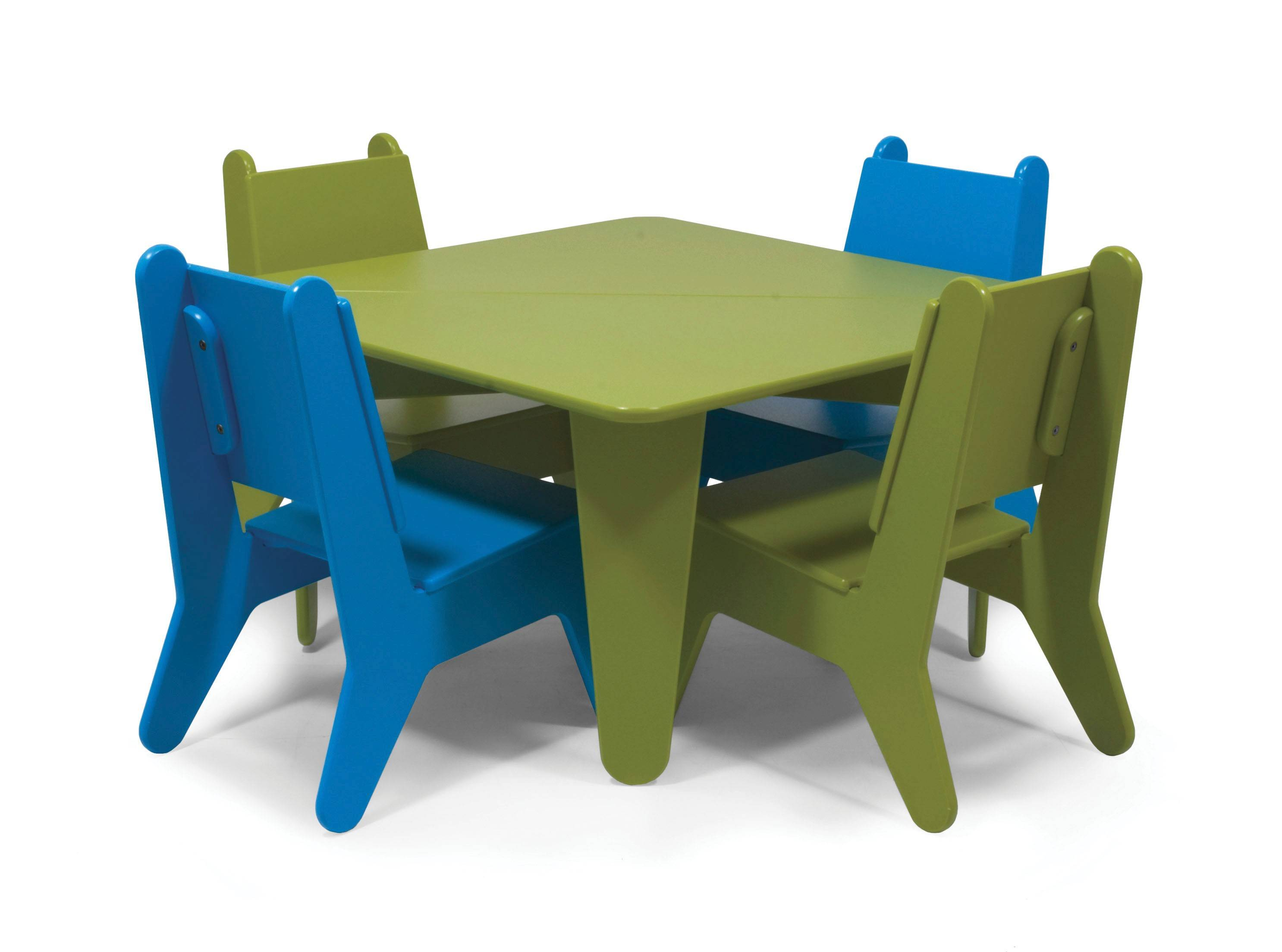 Loll's BBO2 collection has been named among Time magazine's Top 100 Green Products and won Garden Design's Green Award. Here, the BB02 table and chairs.