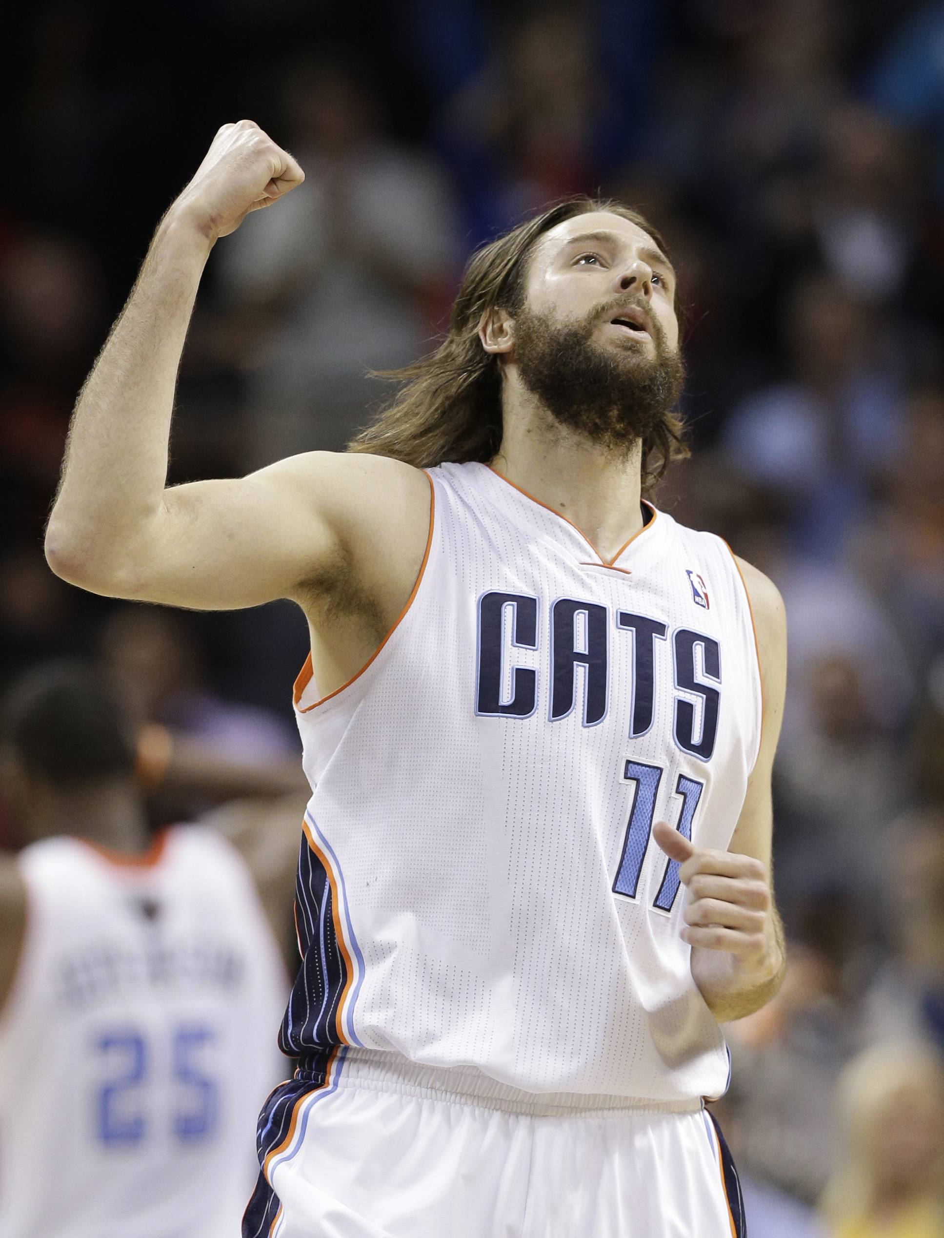 Josh McRoberts has agreed to sign a four-year contract with the Miami Heat, a deal that could be worth about $23 million.