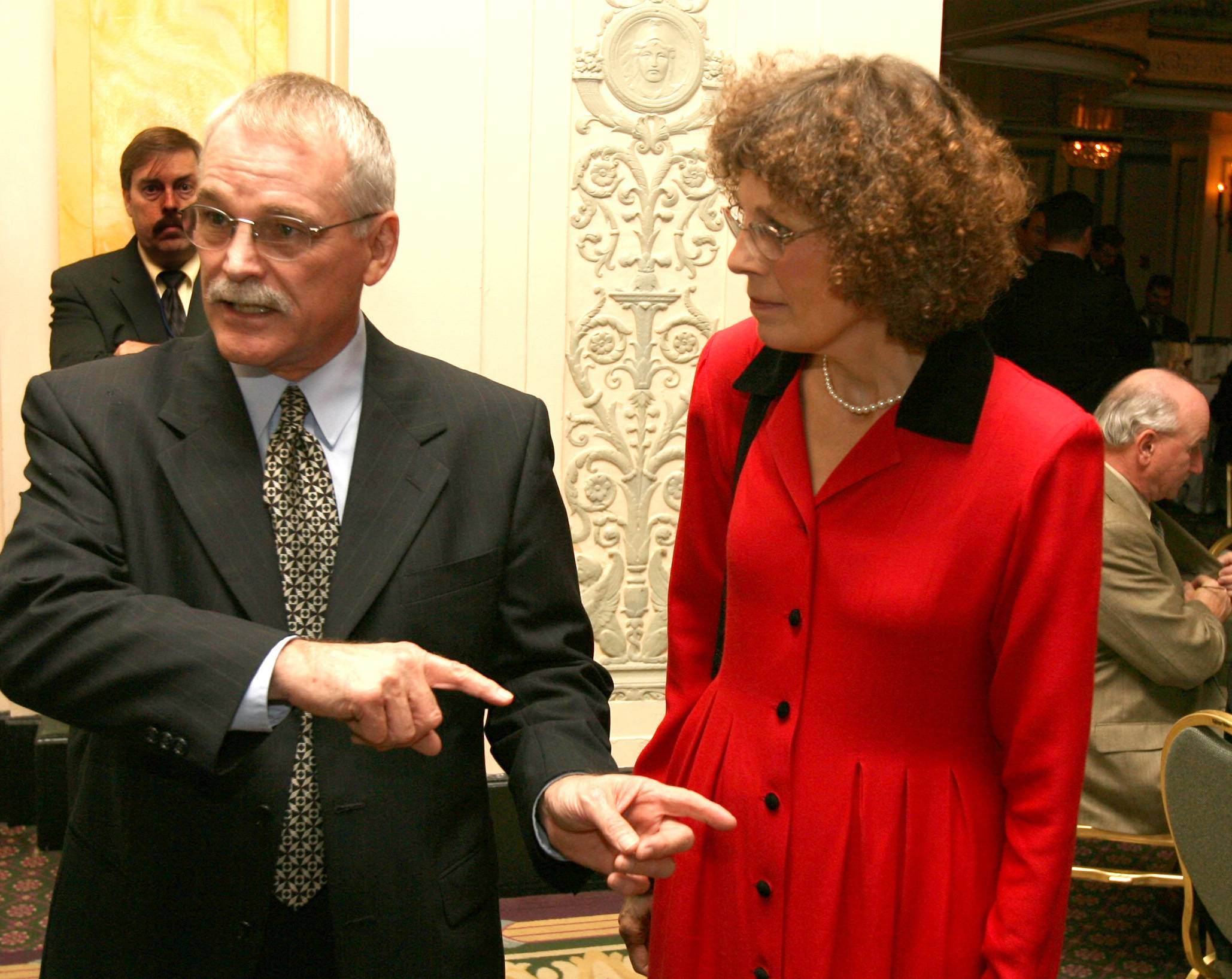 "DANIEL WHITE/dwhite@dailyherald.com The Rev. Duane ""Scott"" Willis and his wife, Janet, in 2006."