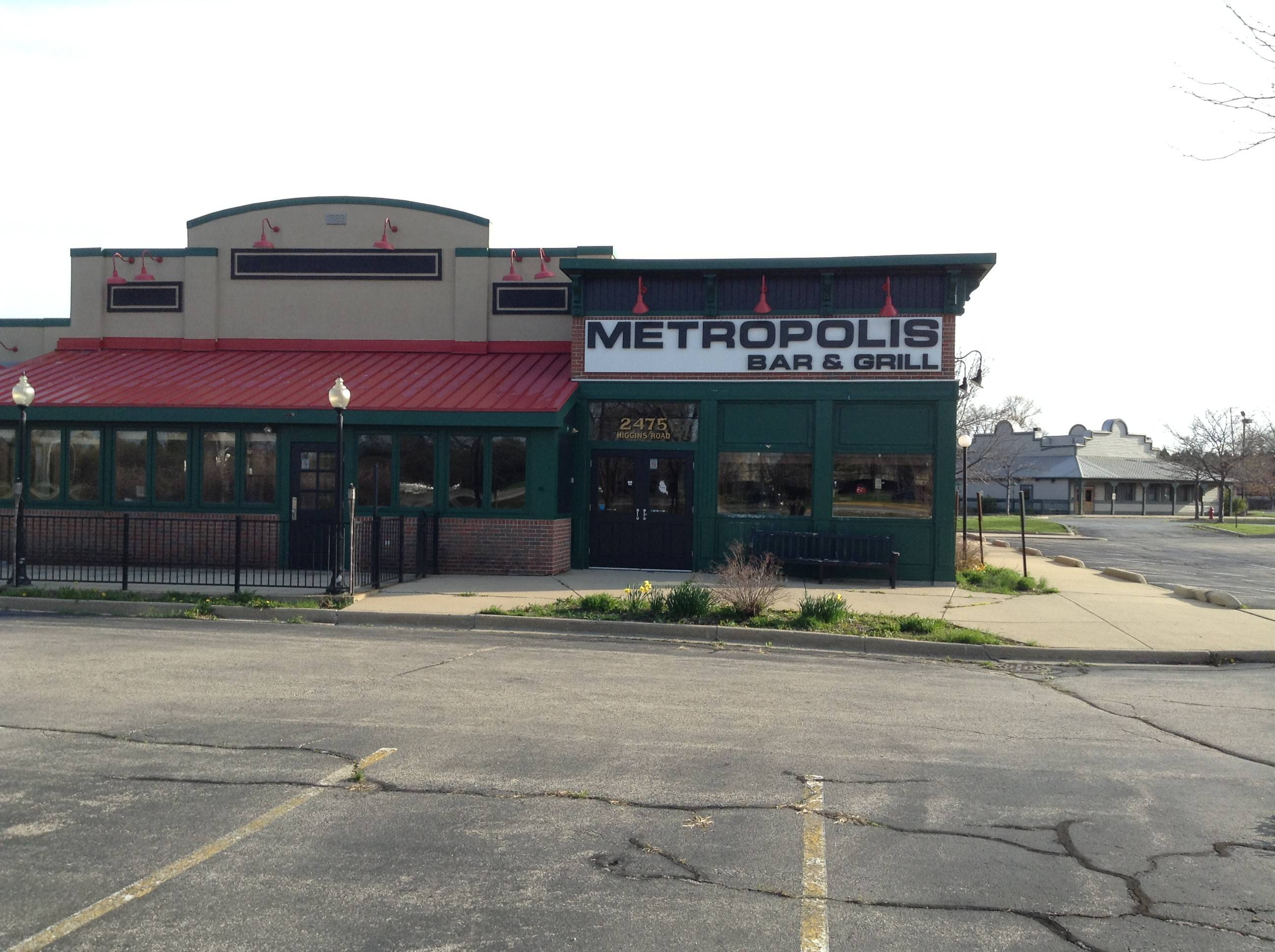 The former Metropolis Bar & Grill at the southeast corner of Higgins and Barrington roads in Hoffman Estates — with the former Lone Star in the background — will soon be replaced by new Moretti's and Whiskey River restaurants, respectively.